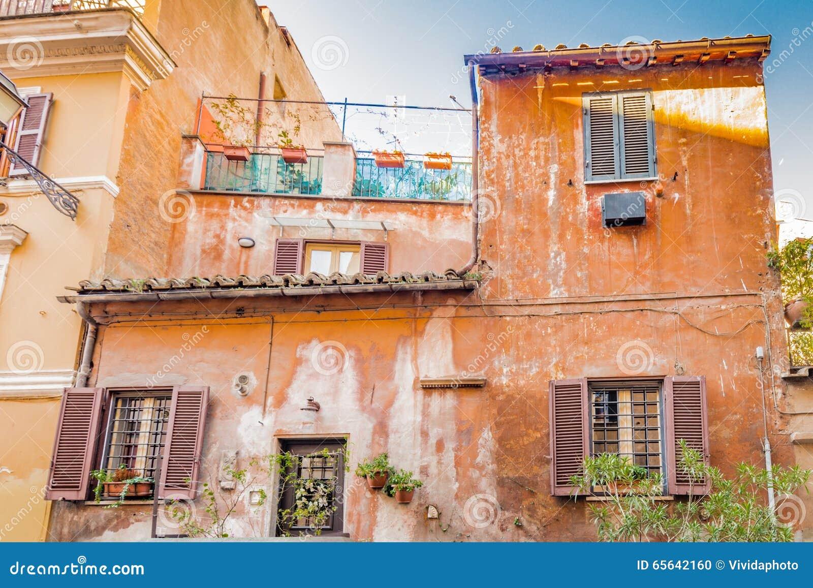 Les vieilles maisons de Rome