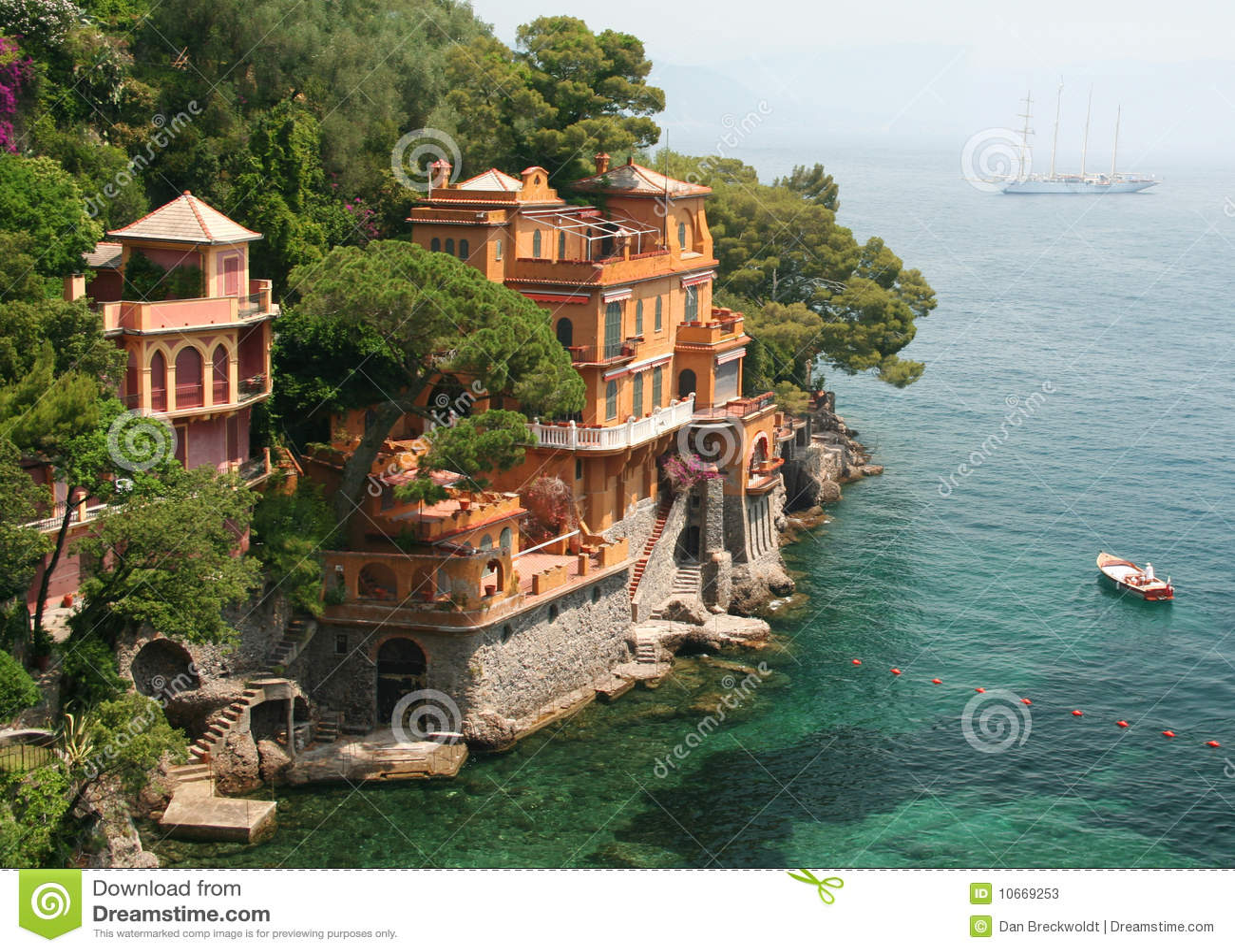 Les villas de bord de la mer s 39 approchent de portofino - Villa bord de mer ...