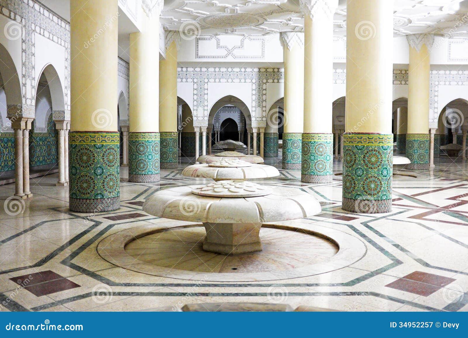 Les vo tes et la tuile de mosa que int rieures for Mosquee hassan 2 interieur