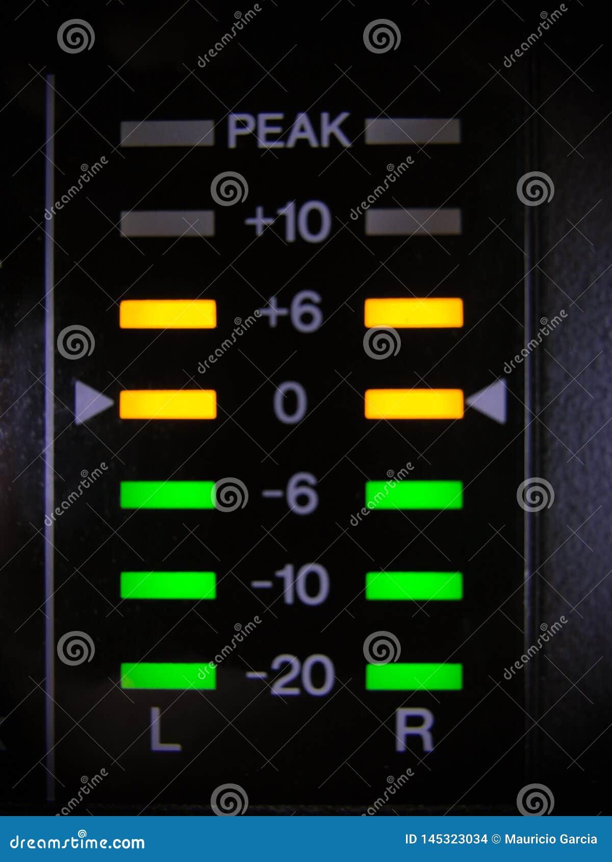 Les voyants de signalisation dans le mélangeur audio