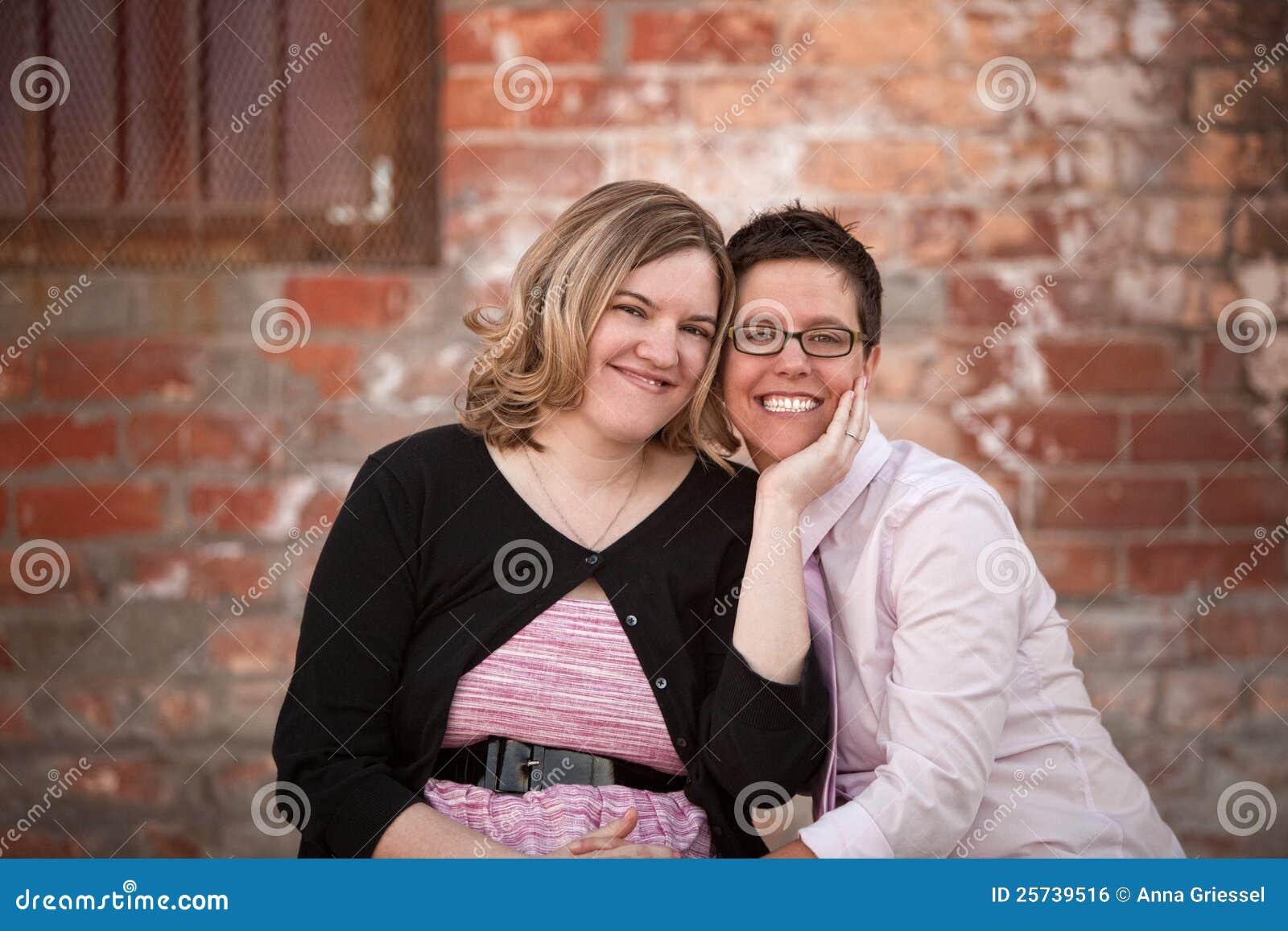Lesbian пар outdoors
