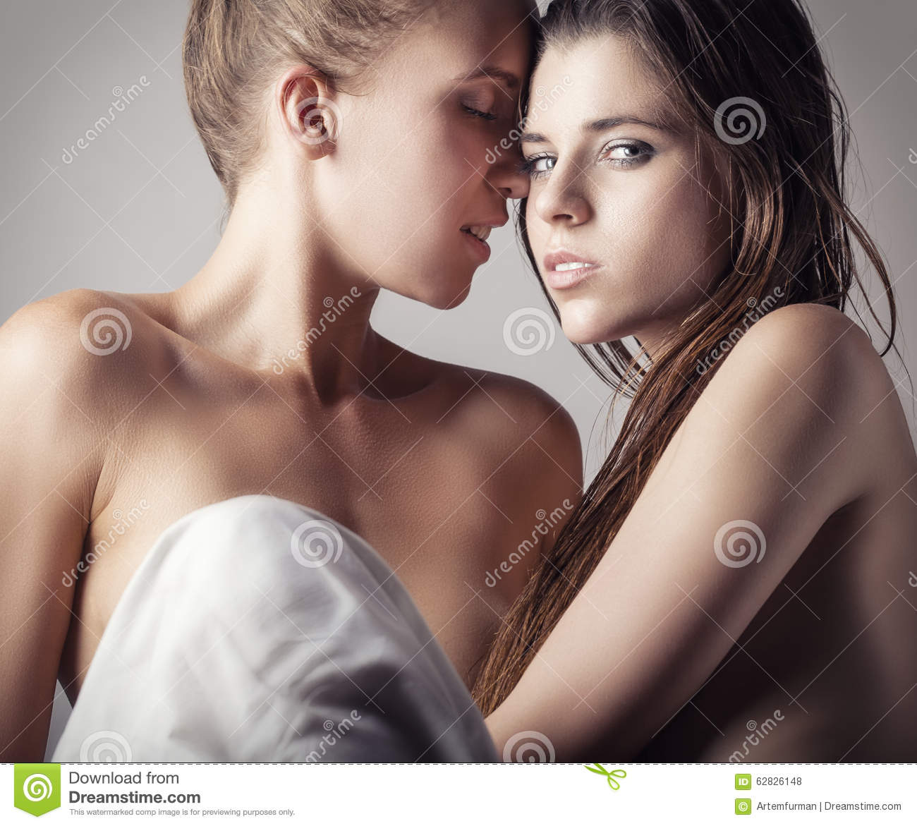 single lesbian women in glandorf The traditional dating site model, offering only picture and profile browsing, can be ineffective for those lesbian singles looking for a long-term relationship -- love that lasts at compatible partners, we deliver more than lesbian personal ads.