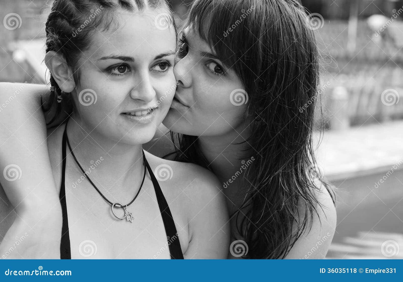 Teen Lesbiens Free Photos 34