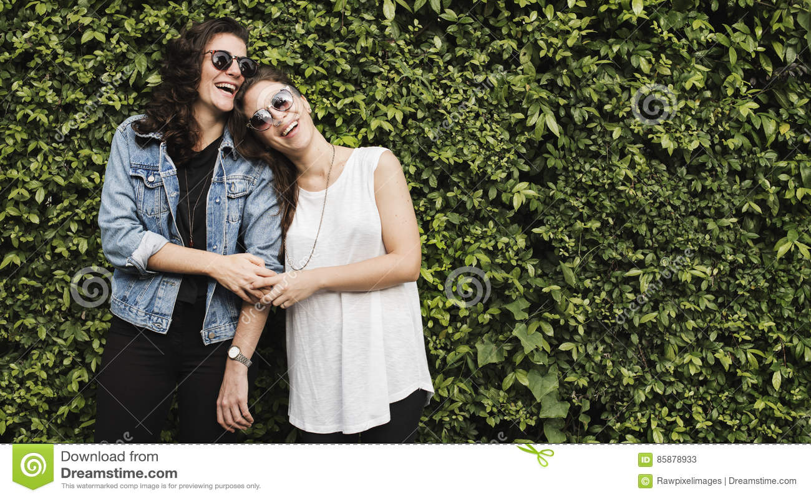 Lesbisch Paar samen in openlucht Concept