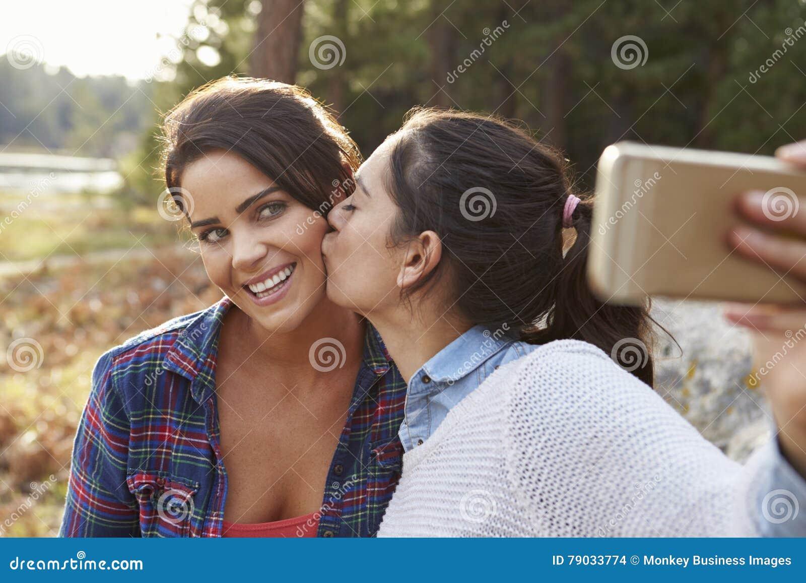 Küssen in der christlichen datierung