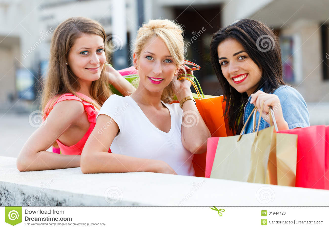 going shopping with friends Welcome to mia's life subscribe here so you don't miss out on my future videos: .