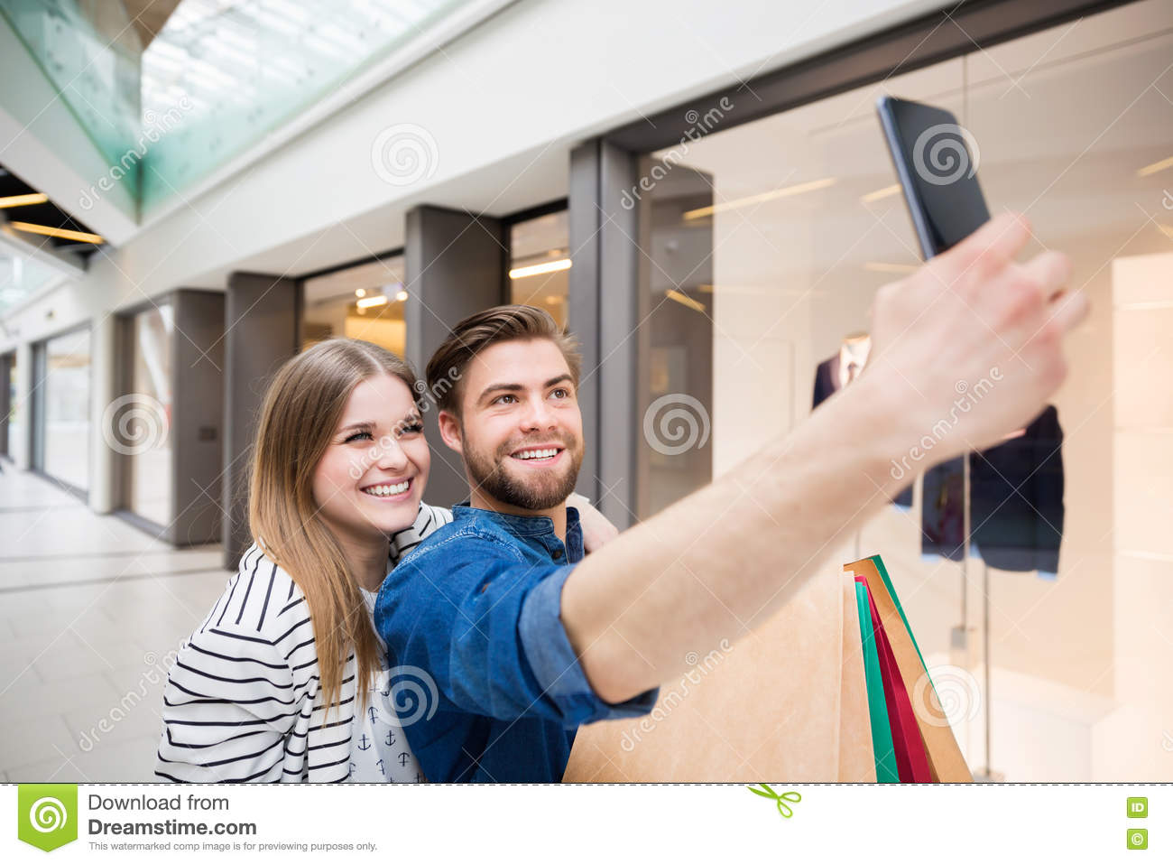 Let s take a selfie from our shopping