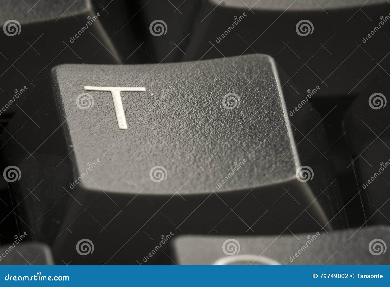 Letra T en el teclado