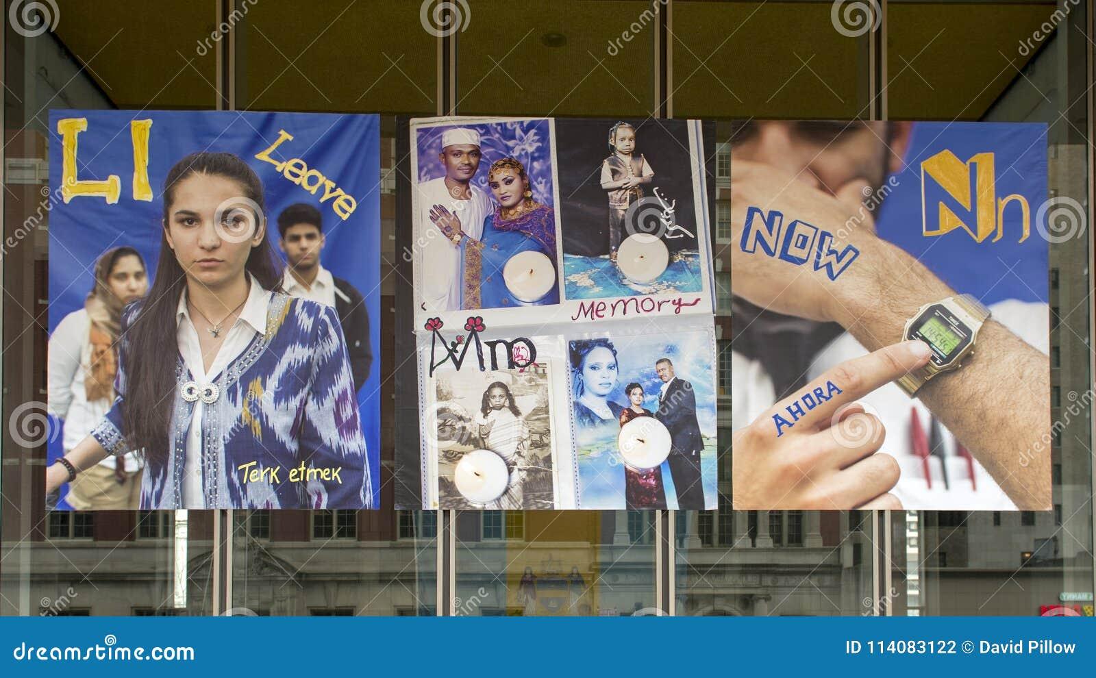 Letras L para a licença, M para bandeiras do vinil da memória, e do N por agora, projeto imigrante do alfabeto, Philadelphfia
