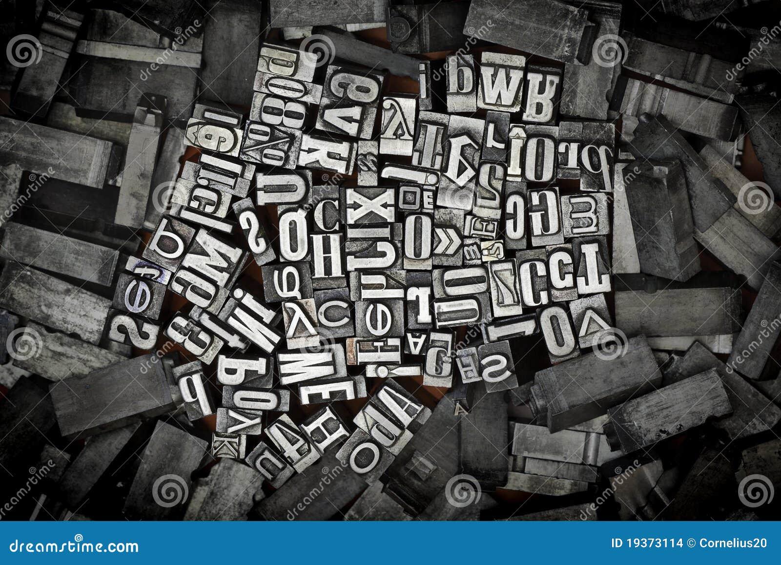 Letras velhas do metal