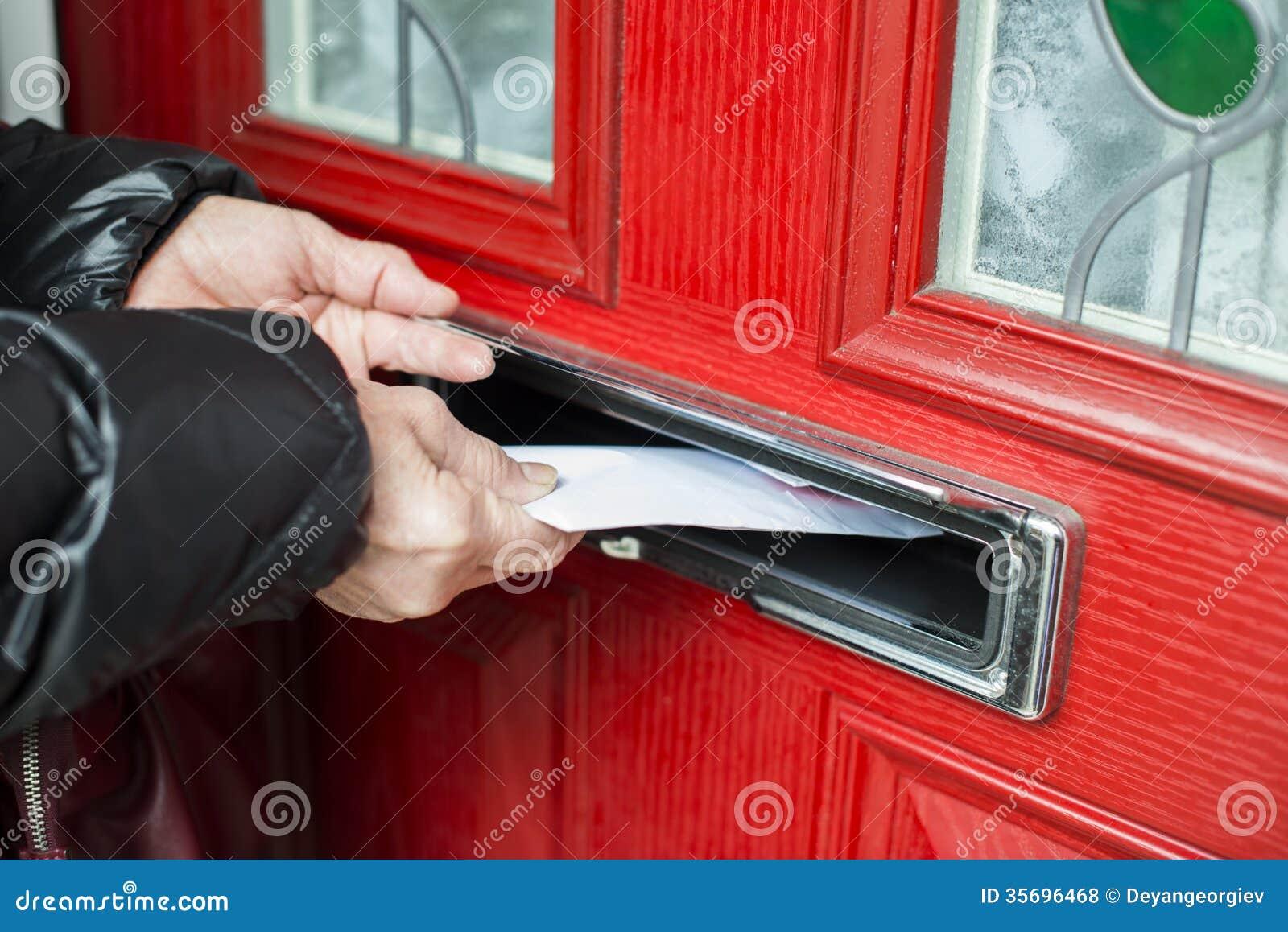 Lettera nella cassetta delle lettere