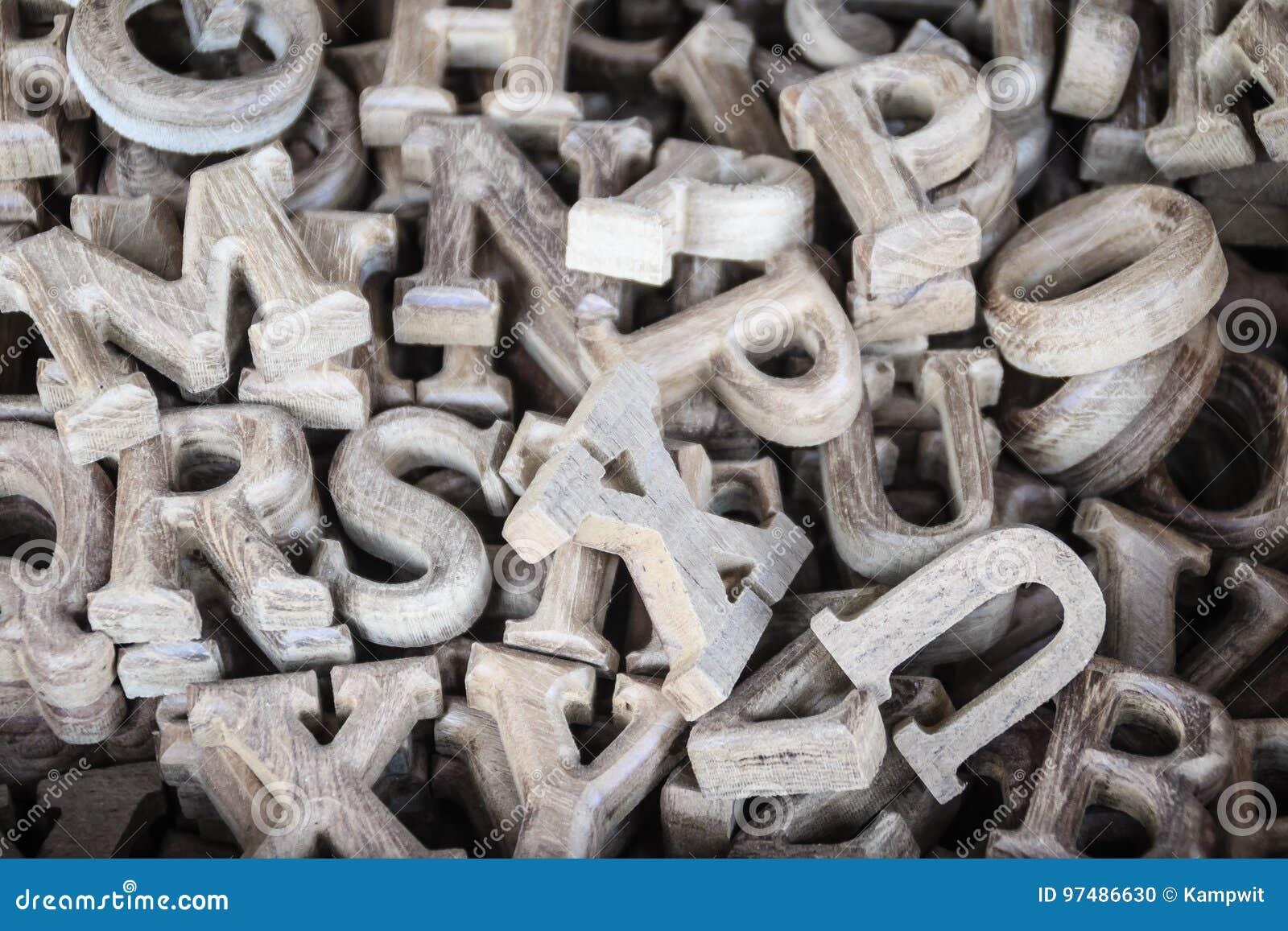 Lettere di legno dell alfabeto inglese da vendere nel negozio di legno