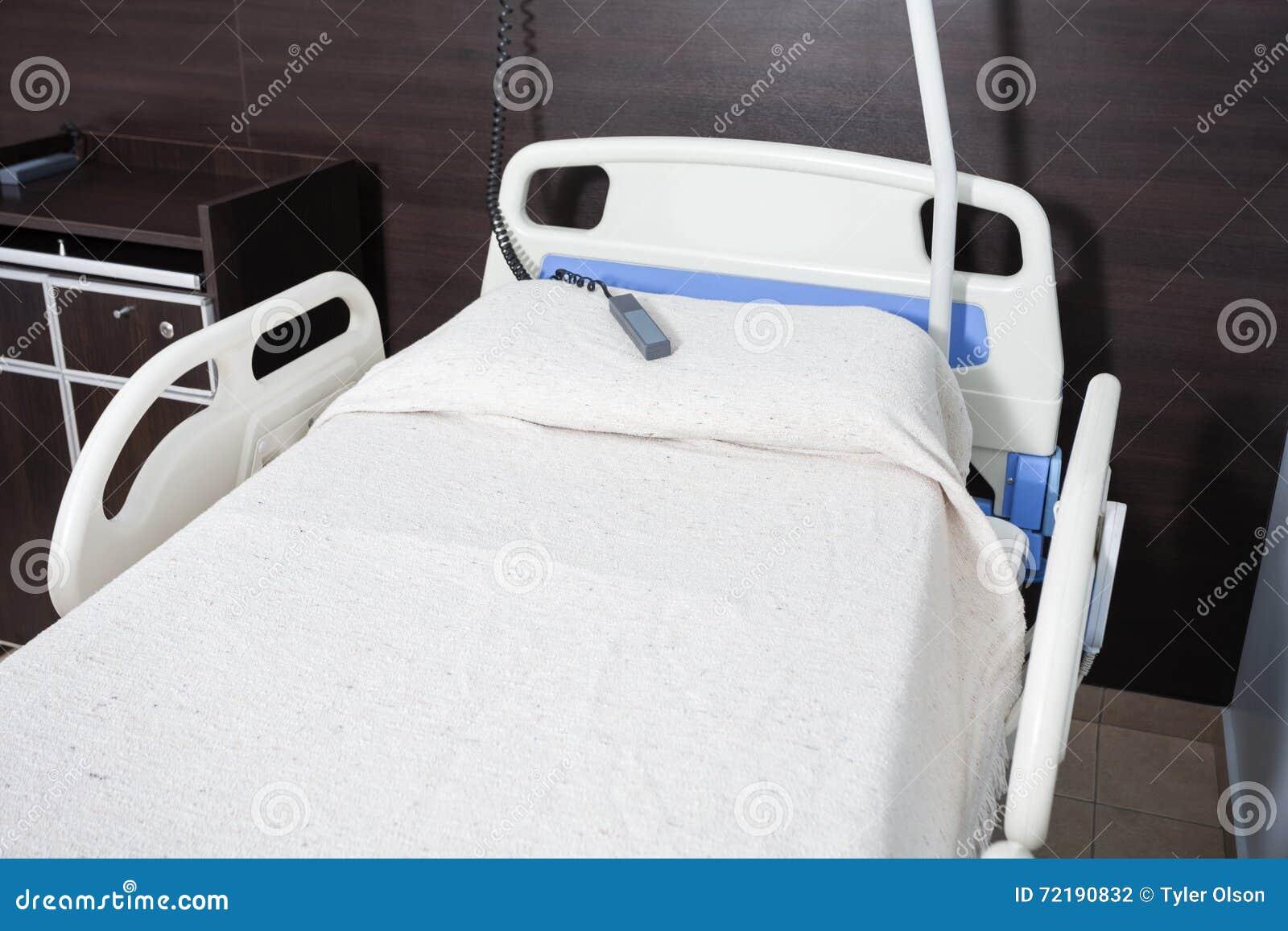 Angolo Letto Ospedale : Letto di call bell on dell infermiere nel centro di riabilitazione