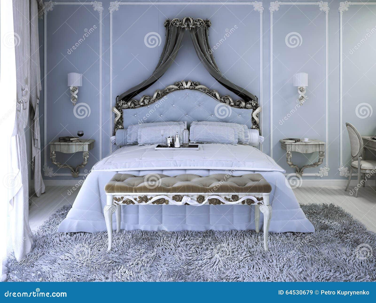 Letto Matrimoniale Con La Tenda Immagine Stock - Immagine di ...