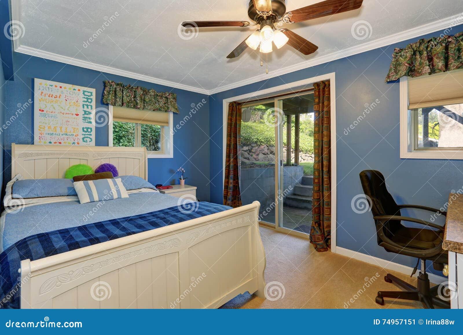 Camera Da Letto In Legno Bianco : Camere da letto in mansarda mansarda