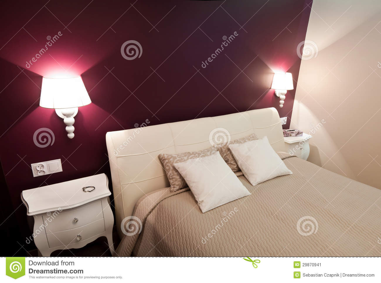 Lampade A Parete Camera Da Letto : Colors of Purple for Bedroom Wall