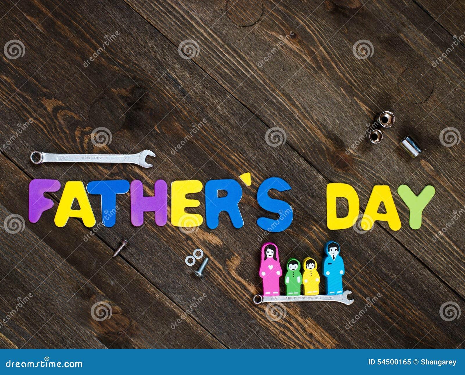Lettres et jour de père en bois de fond d outils