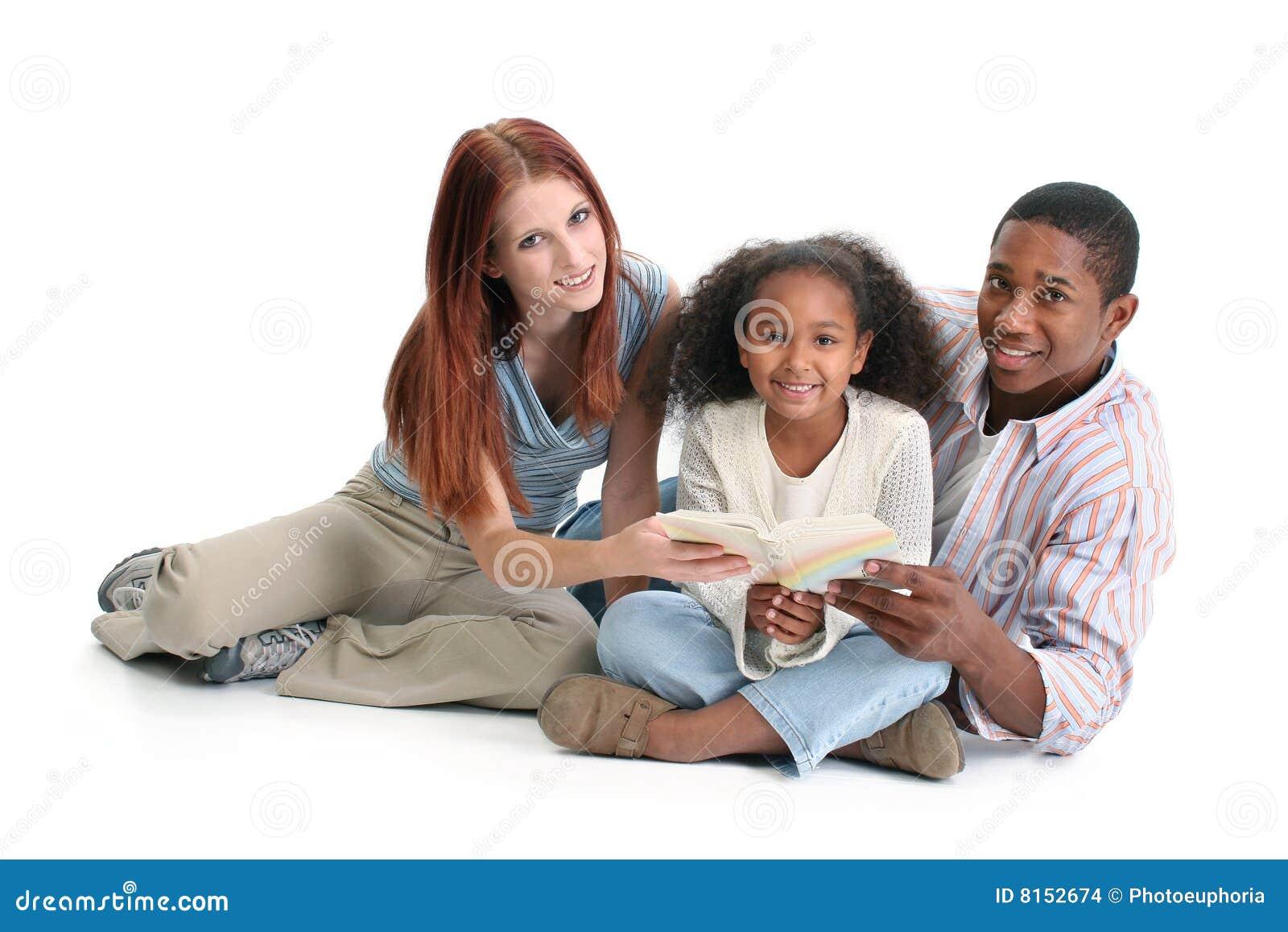 Lettura interrazziale della famiglia insieme