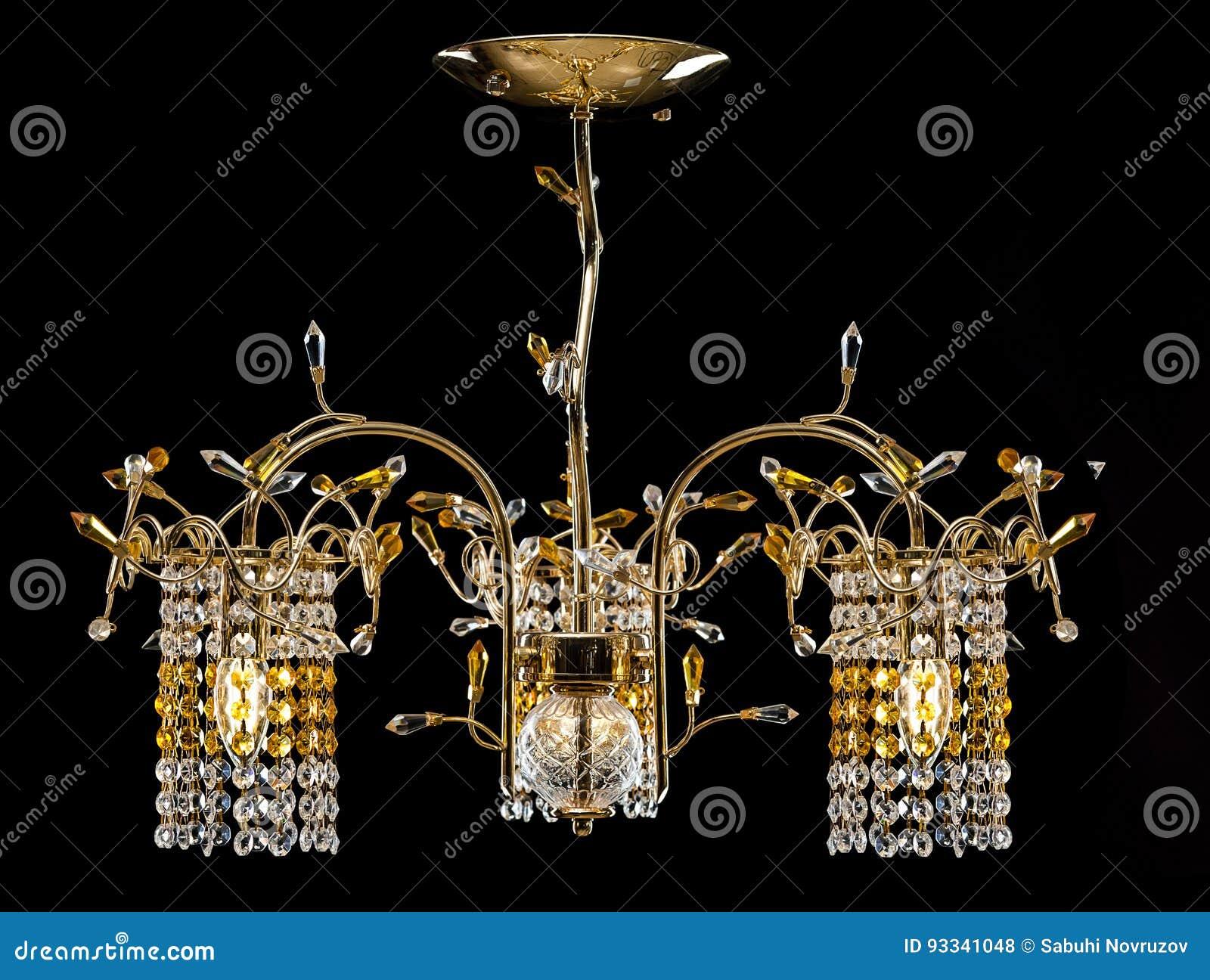 Leuchter Für Einen Modernen Innenraum Goldkristallleuchter Für Halle,  Wohnzimmer Oder Schlafzimmer Getrennt Auf Schwarzem Hintergrund