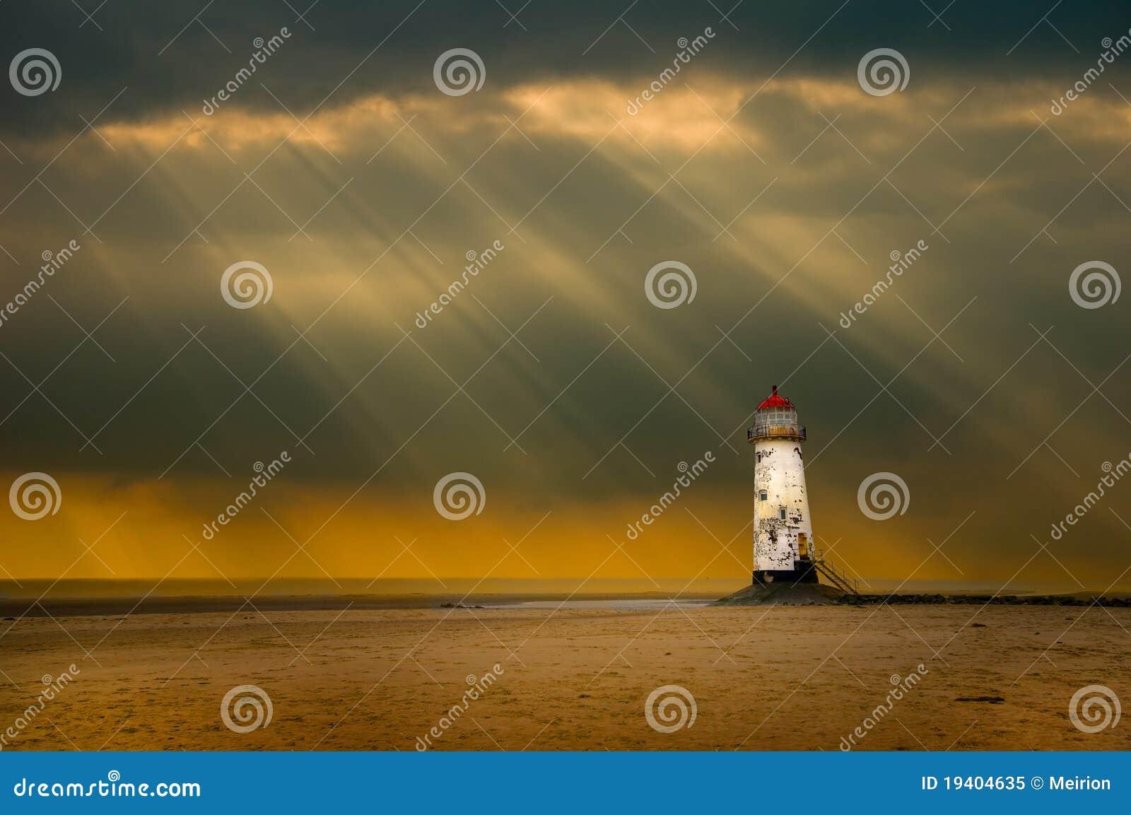 Leuchtturm und Sturm