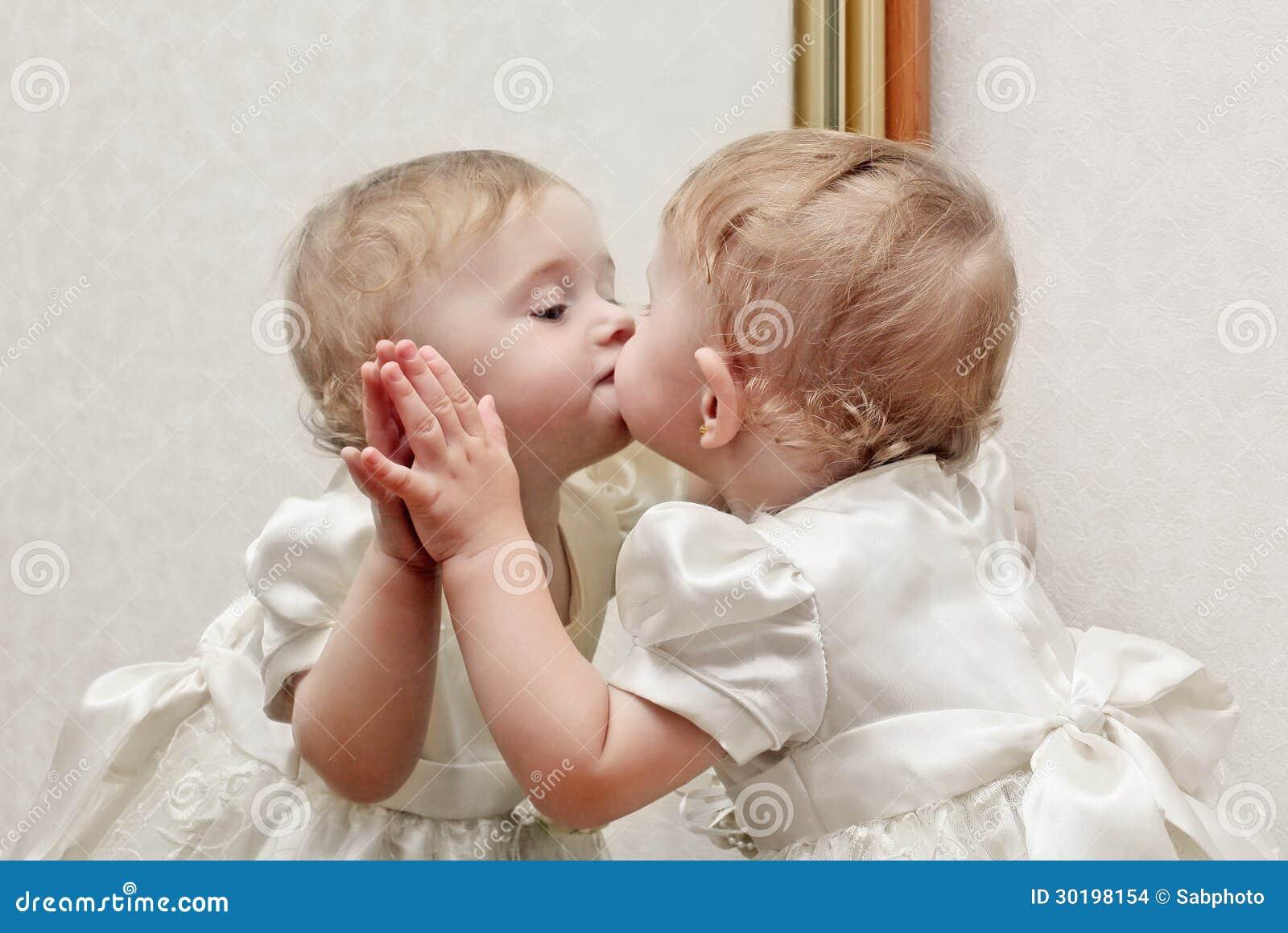 Kussen Voor Baby : Baby kussen wigvorming grijs huilende baby kalmeren motherhood