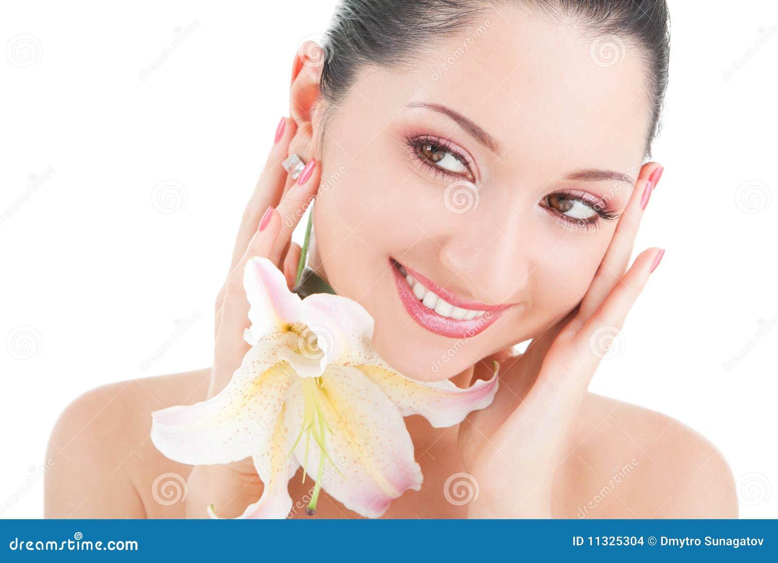 Leuke vrouw met bloem