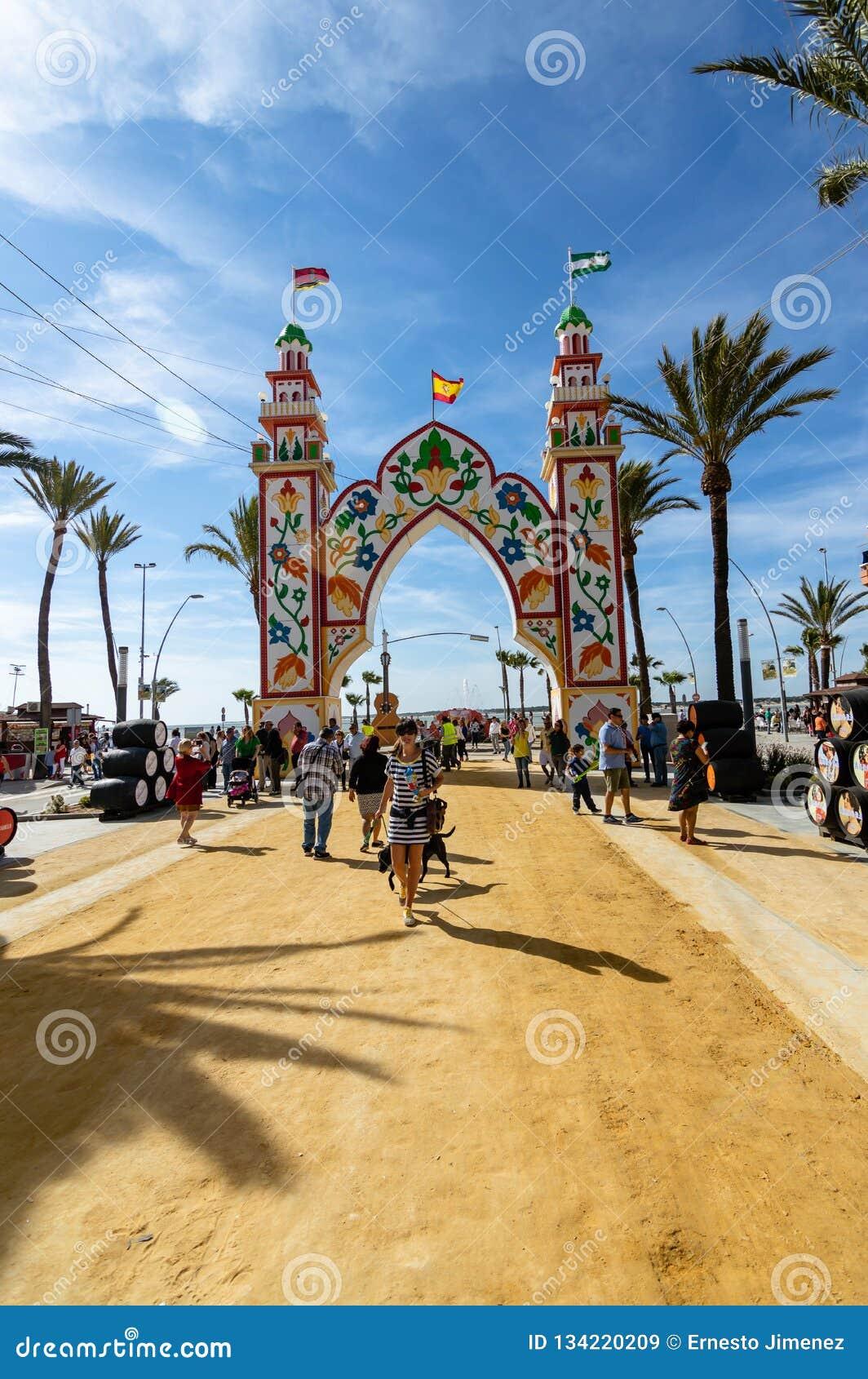 Leute, die einen guten Tag bei Feria de Sanlucar de Barrameda genießen