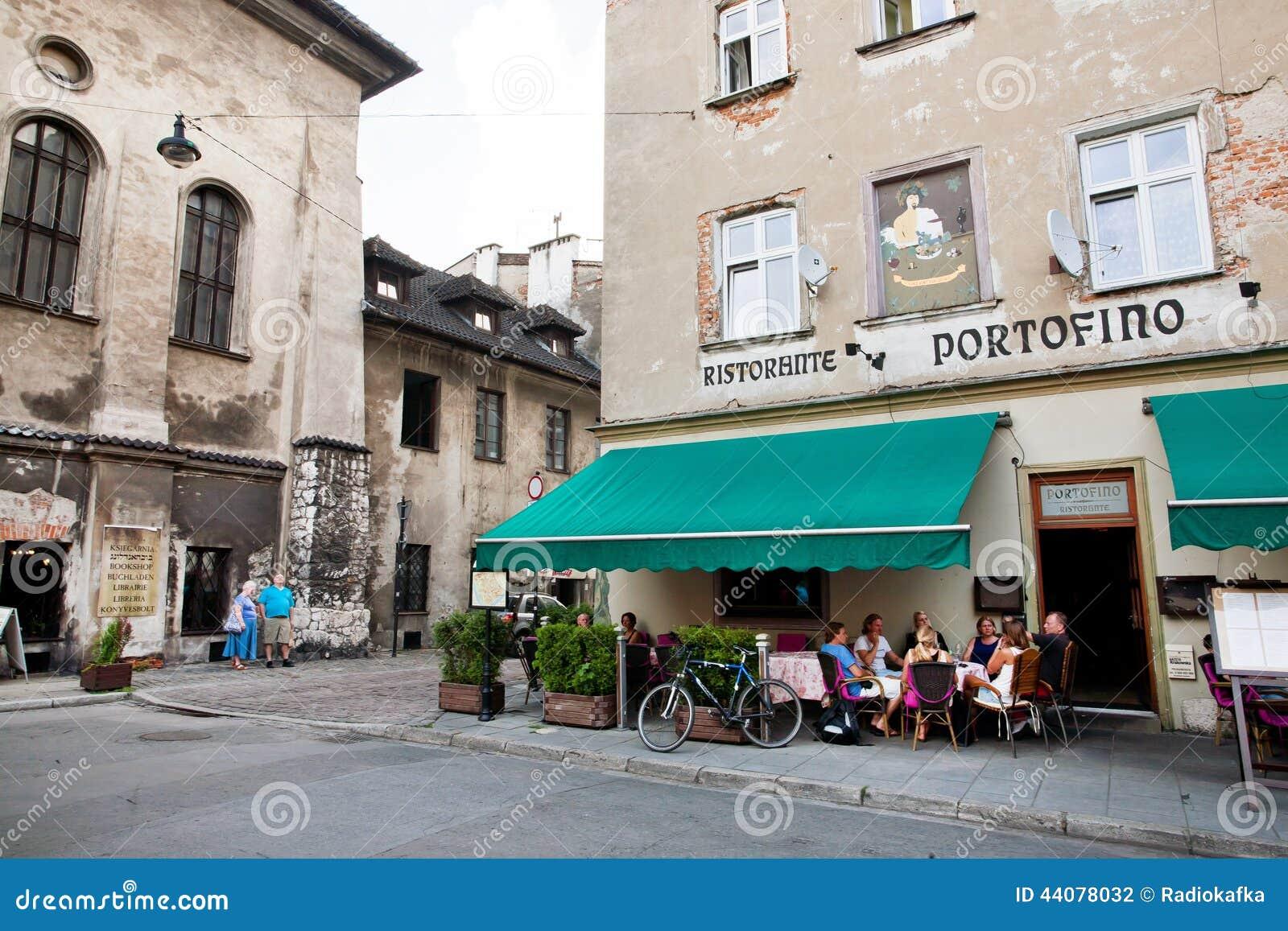 Leute Essen Terrasse In Der Im Freien Des Italienischen Restaurants