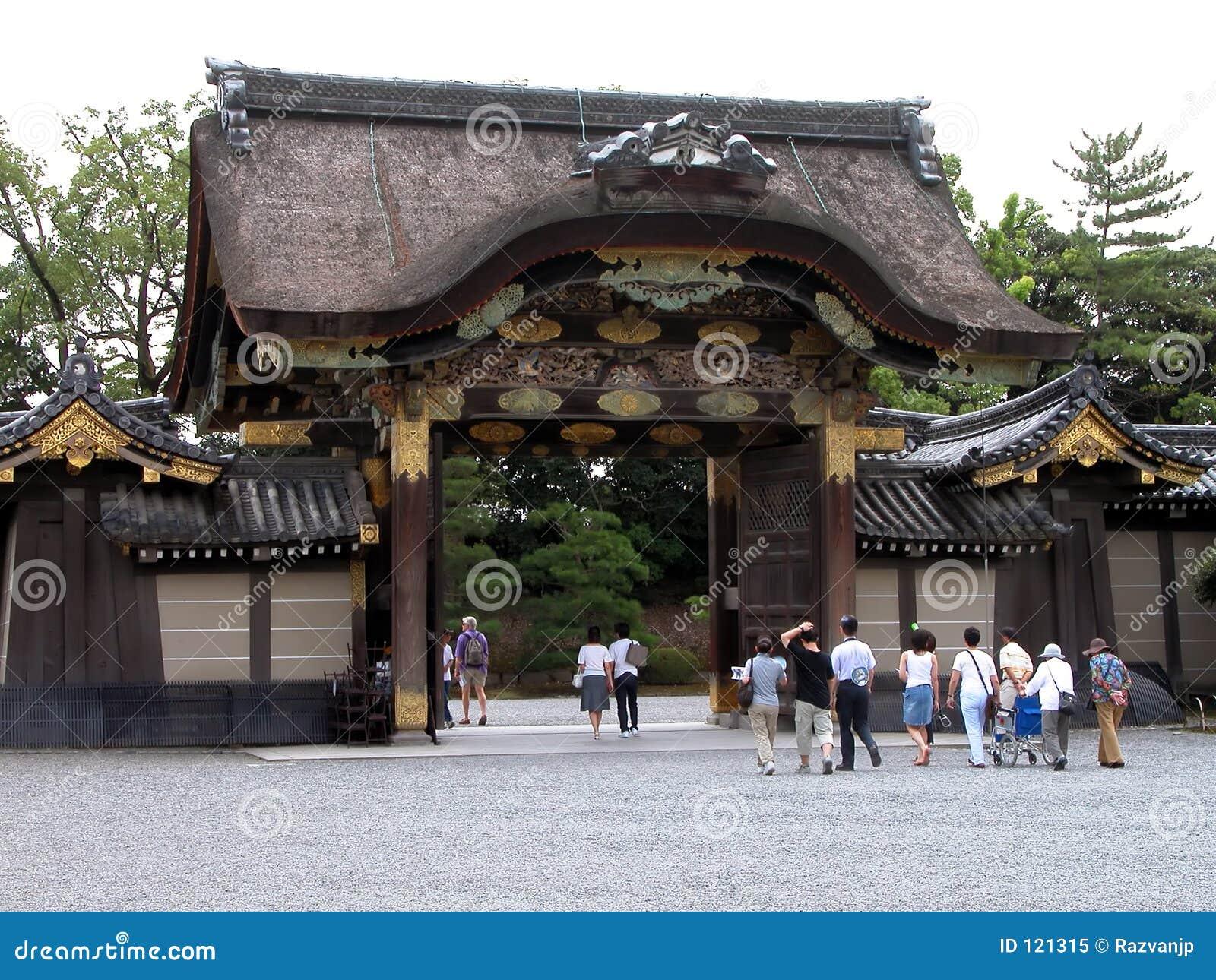Leute am Tempel