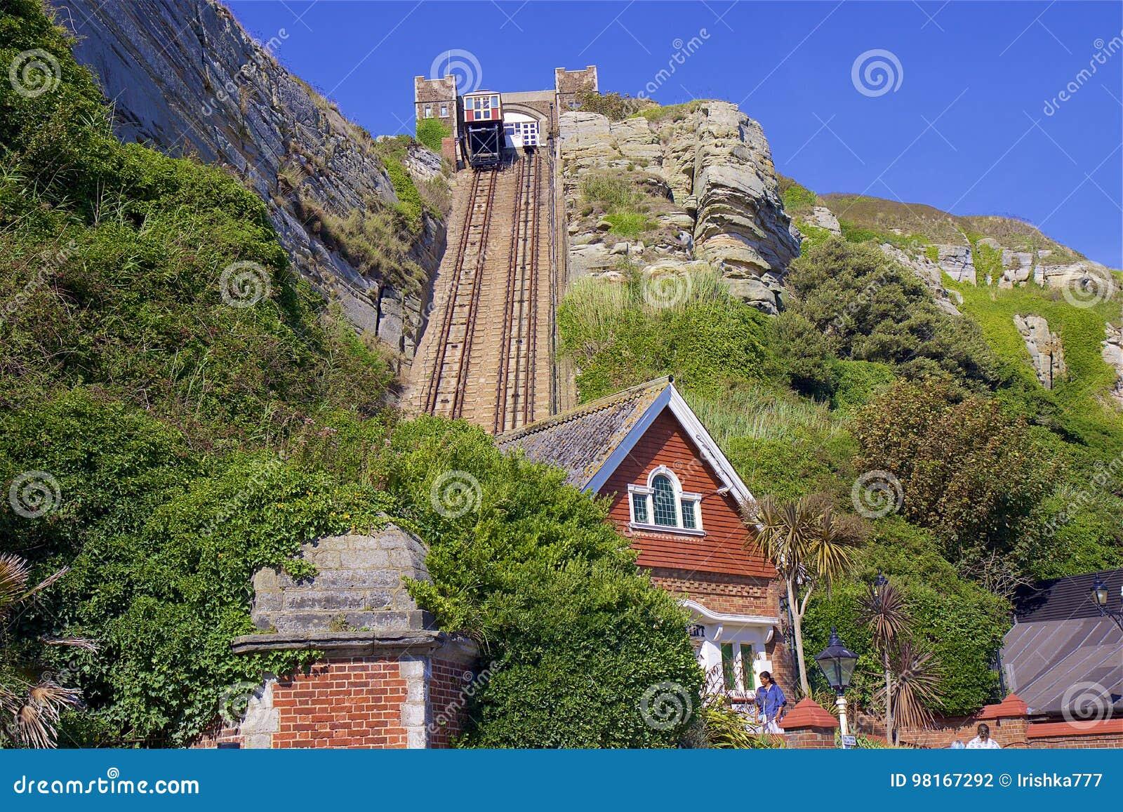Levante a la colina del oeste en Hastings, Reino Unido