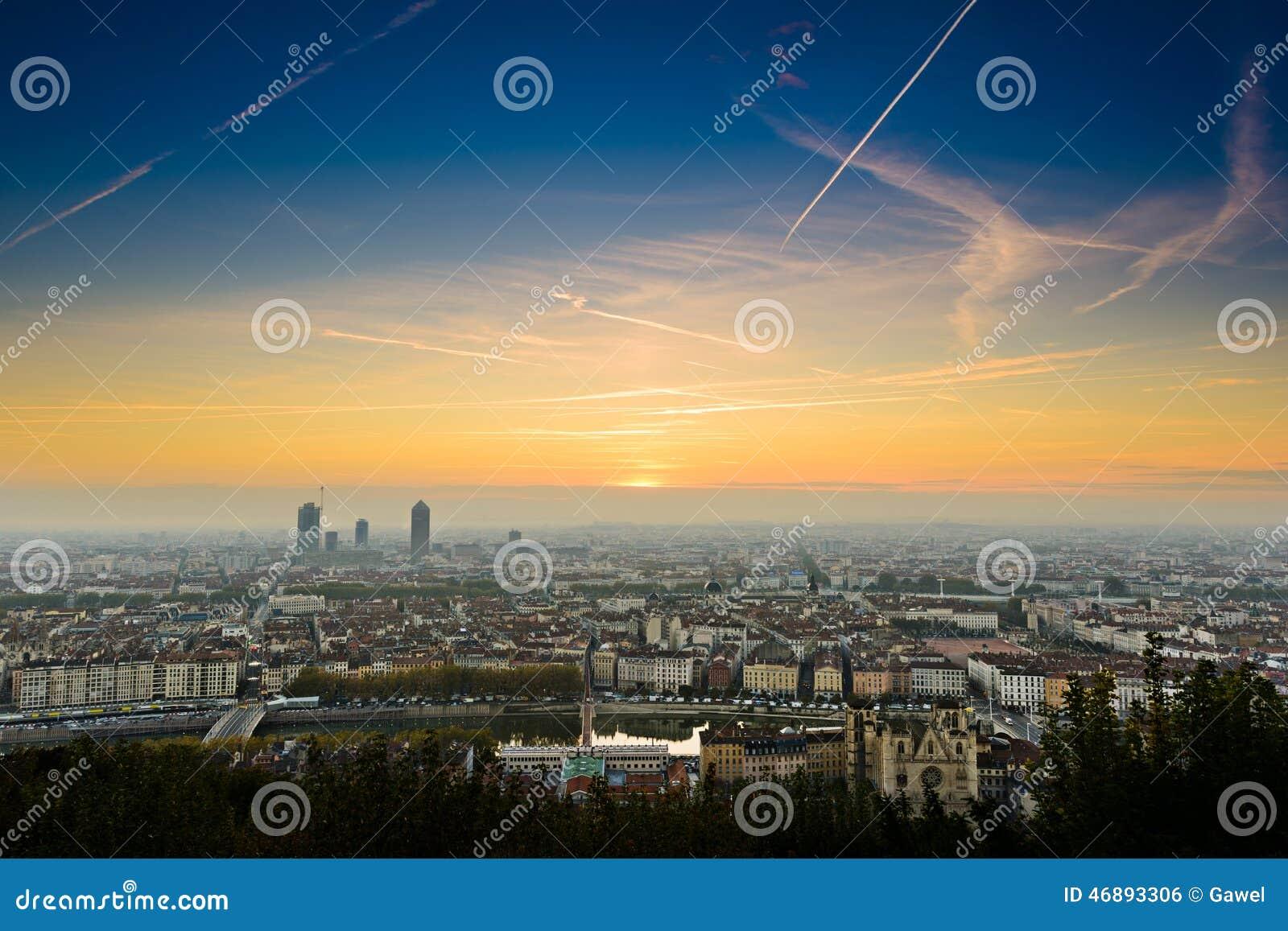 Heure lever soleil lyon - Heure coucher soleil aujourd hui ...