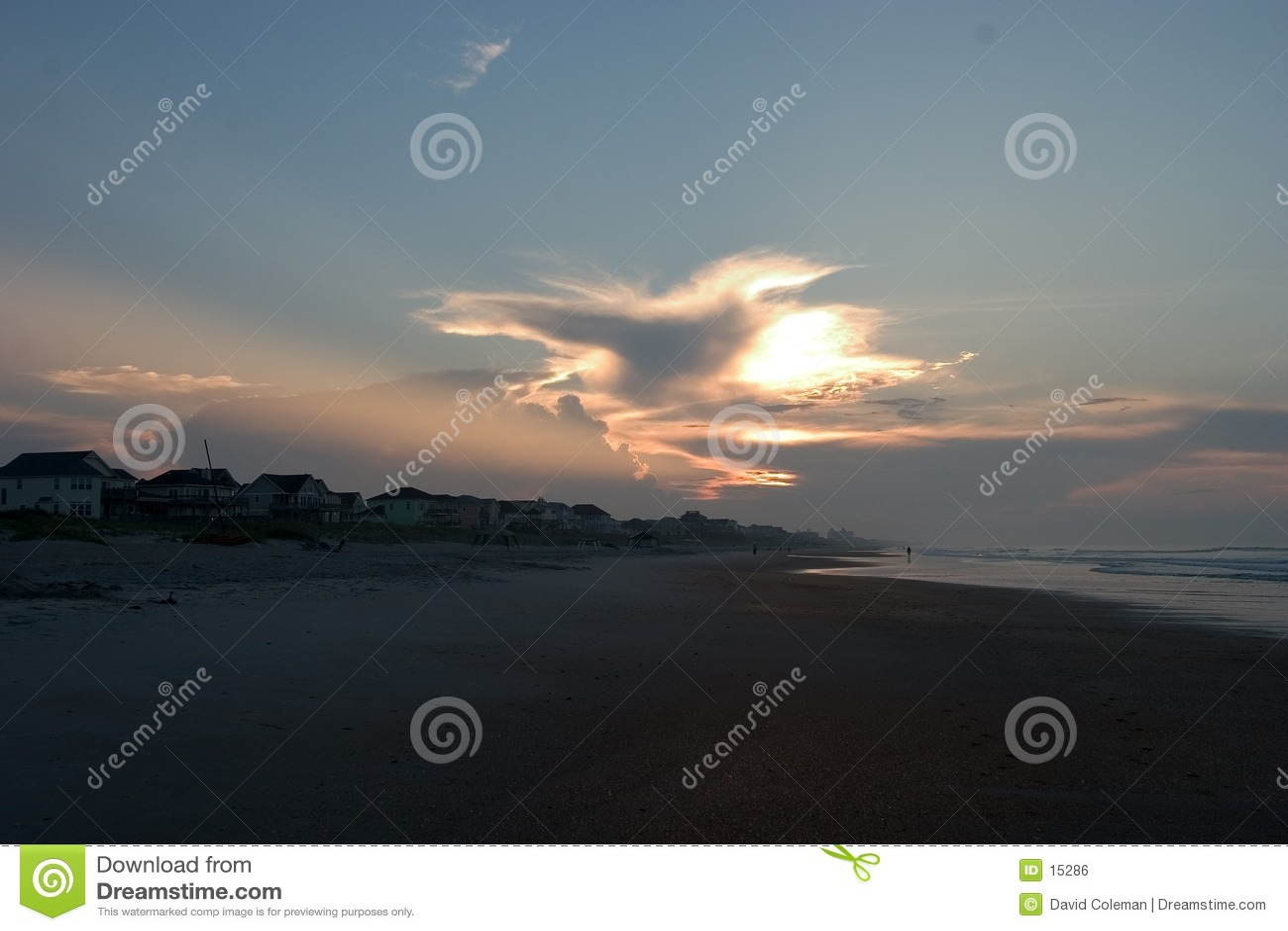 Lever de soleil aux banques extérieurs de Caroline du Nord