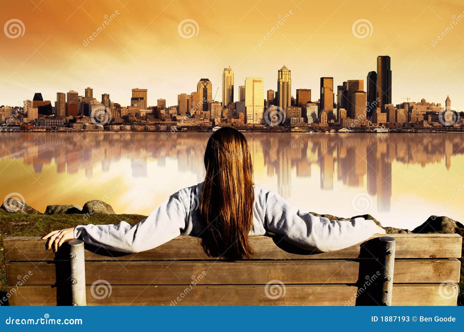 Lever de soleil de vue de ville