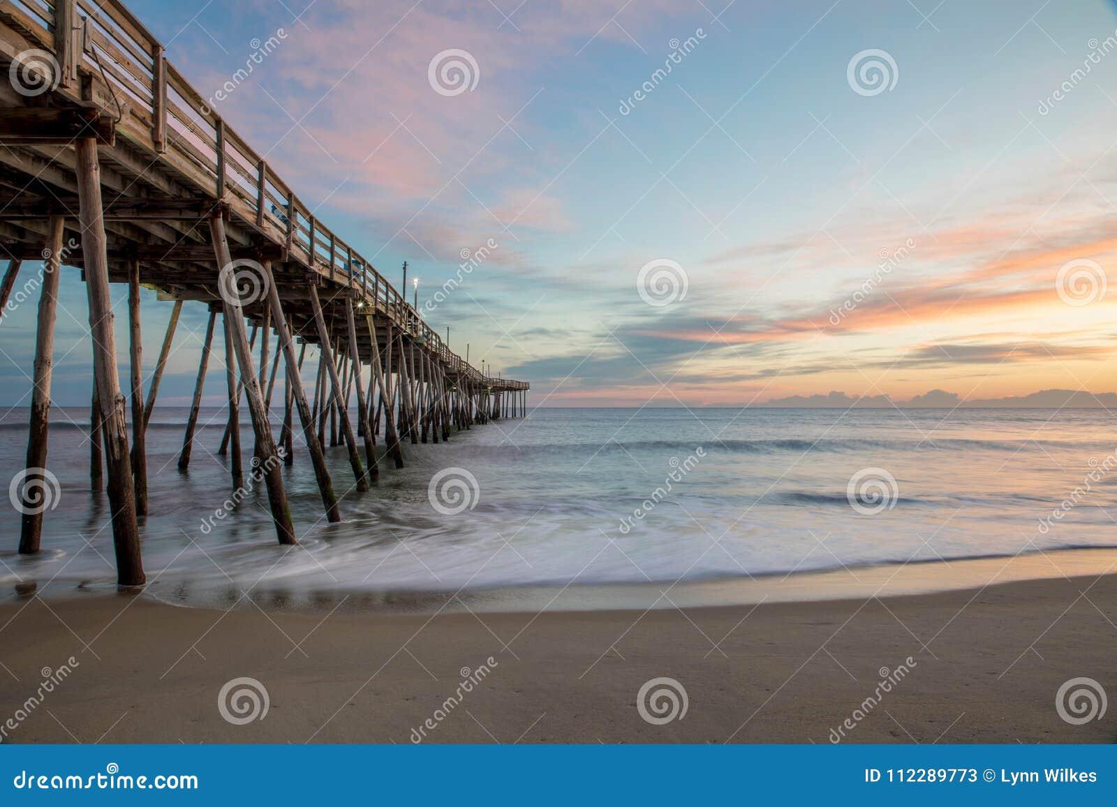 Lever de soleil par Avalon Pier