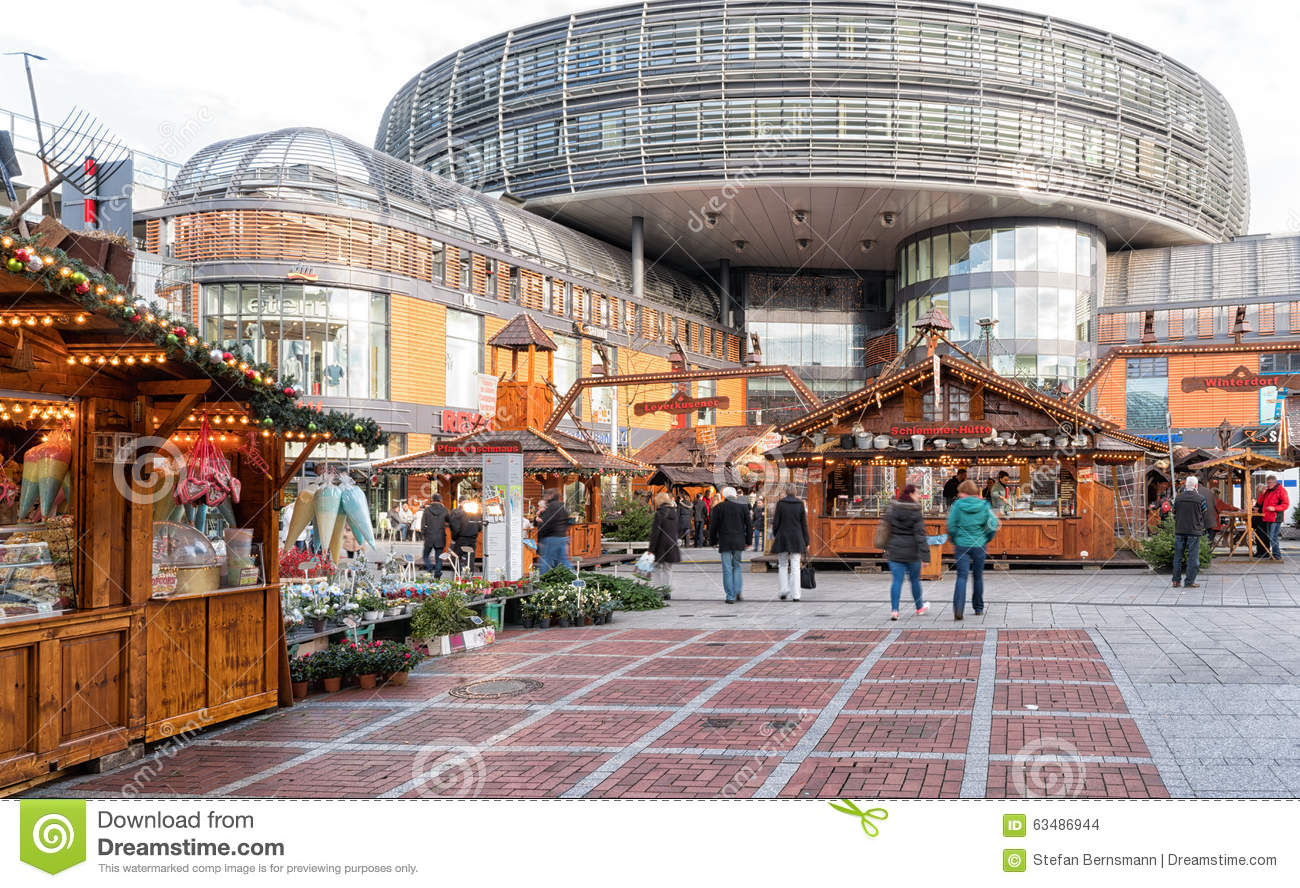 Leverkusen Germany  city photo : Leverkusen, Germany December 07, 2015: Christmas market in front of ...