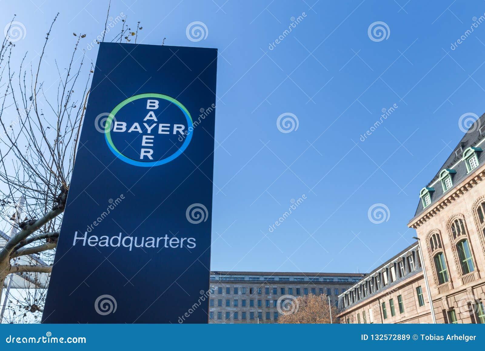 Leverkusen, Noordrijn-Westfalen/Duitsland - 23 11 18: bayer hoofdkwartier in Leverkusen Duitsland