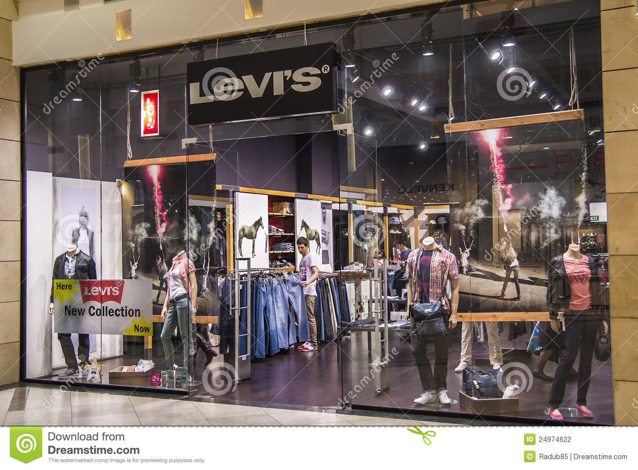 a basso prezzo d6d82 4c287 Levi's Store editorial photography. Image of male, luxurious ...