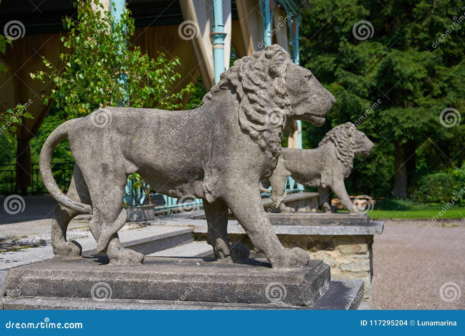 Lew statui szczegół w Josheps krzyżu przy Stolberg Harz