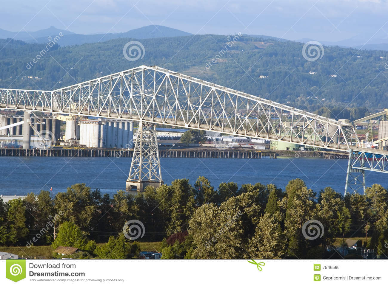 Lewis And Clark Bridge Over Columbia River Stock Photo - Image ...
