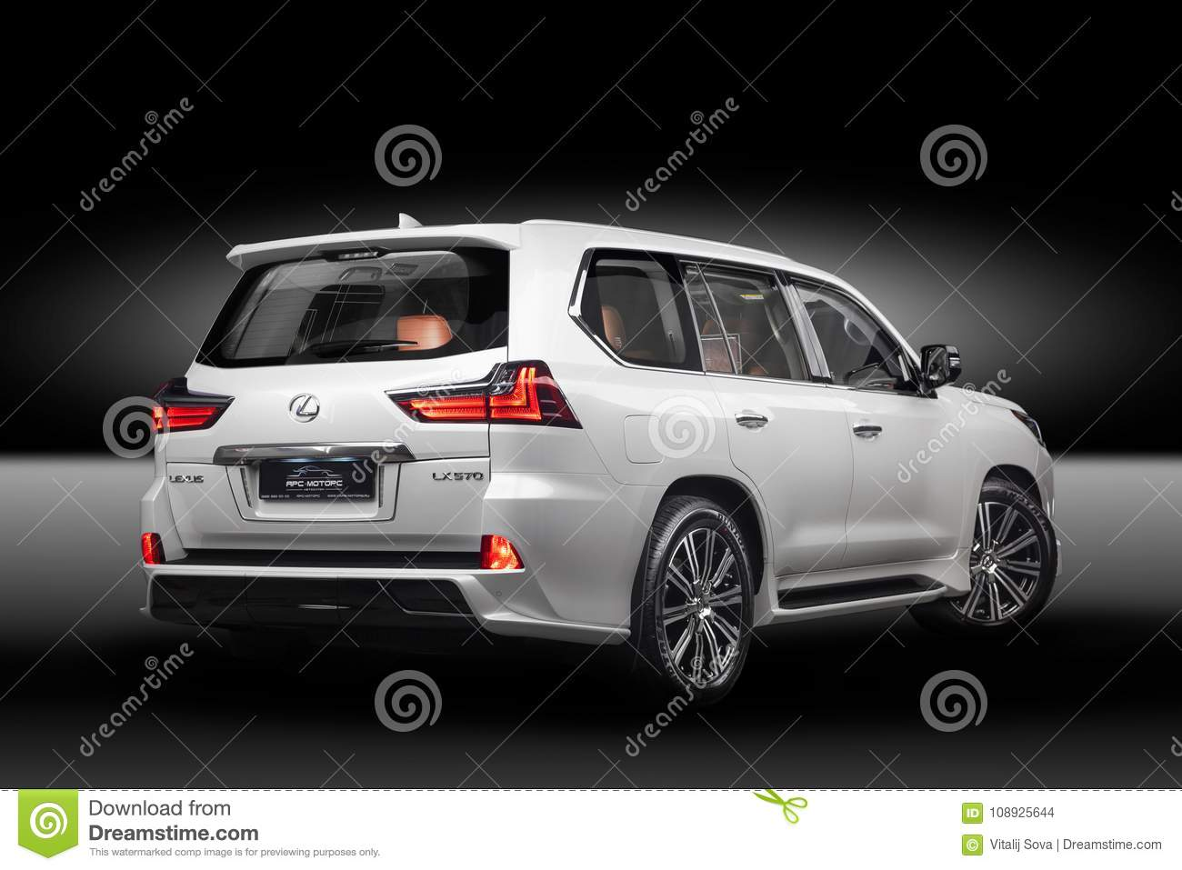 Lexus 570 Side View Editorial Stock Image Image Of Isolated 108925644