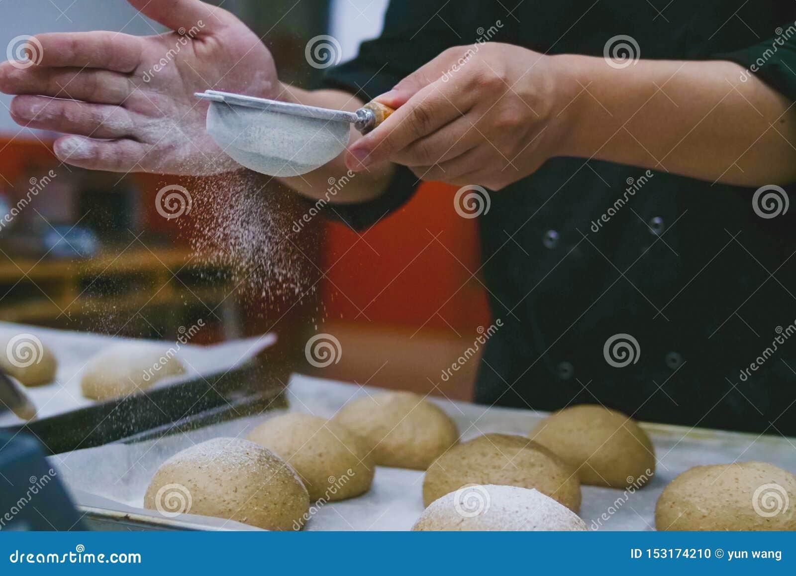 Lições de cozimento, farinha na massa