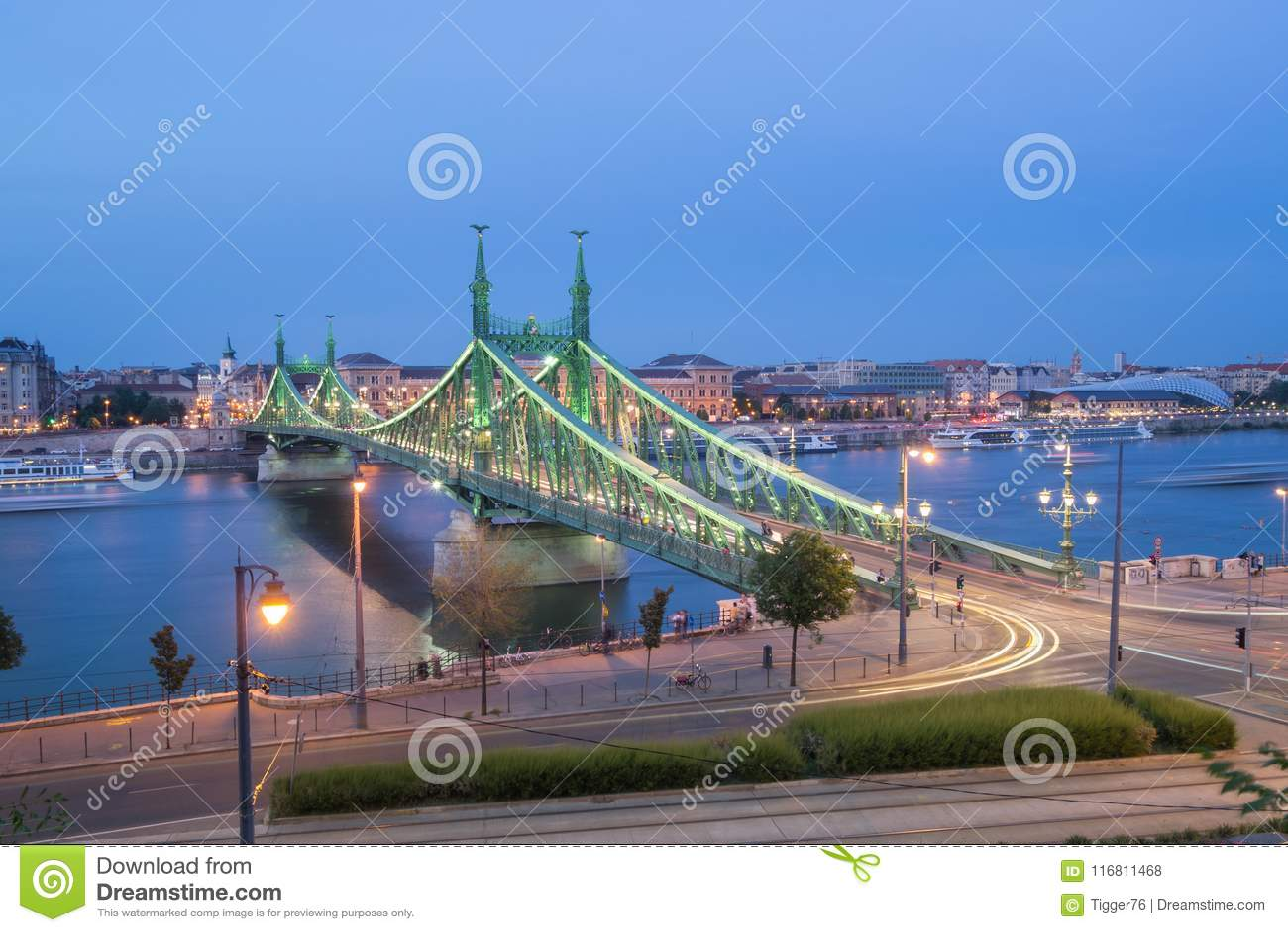 Liberty Bridge al crepuscolo