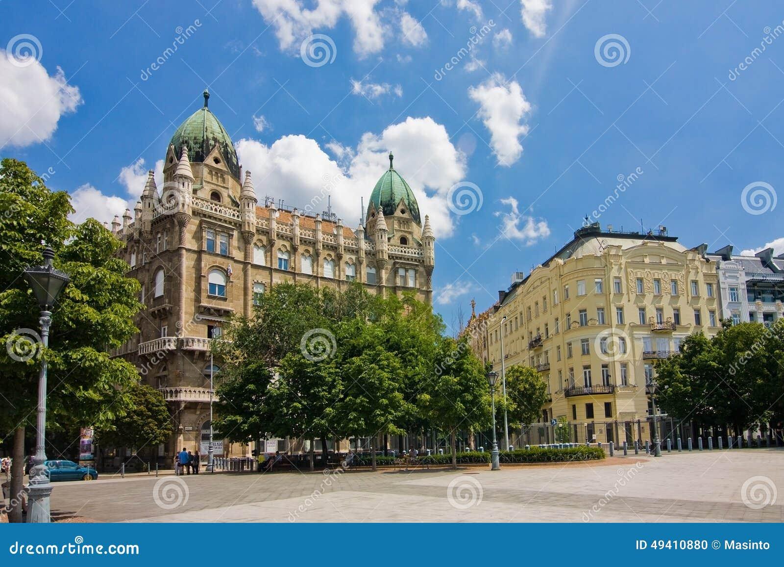 Download Liberty Square in Budapest stockfoto. Bild von freiheit - 49410880