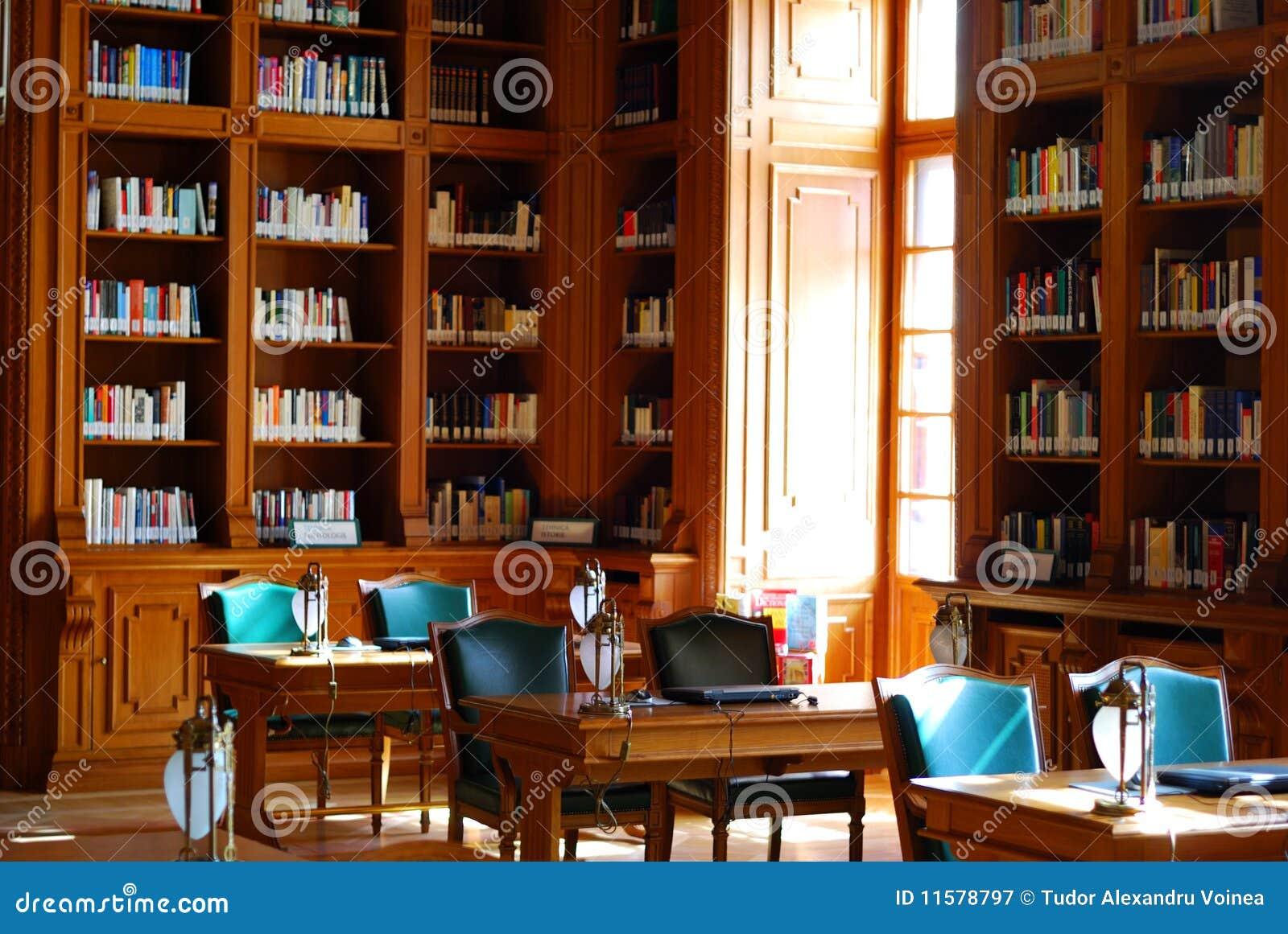 Libreria classica di stile immagine stock immagine di for Piani di libreria stile artigiano