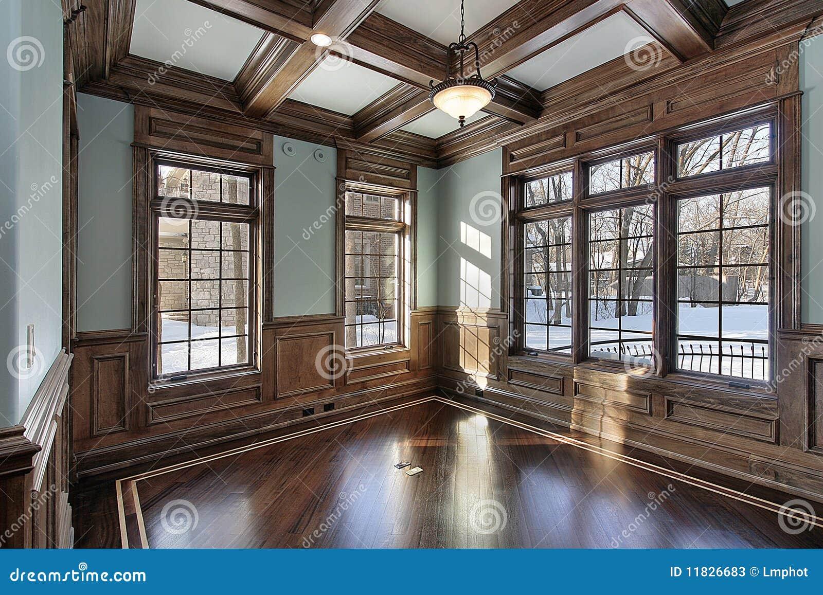 Libreria con i fasci di legno del soffitto immagine stock for Soffitto della cattedrale di legno