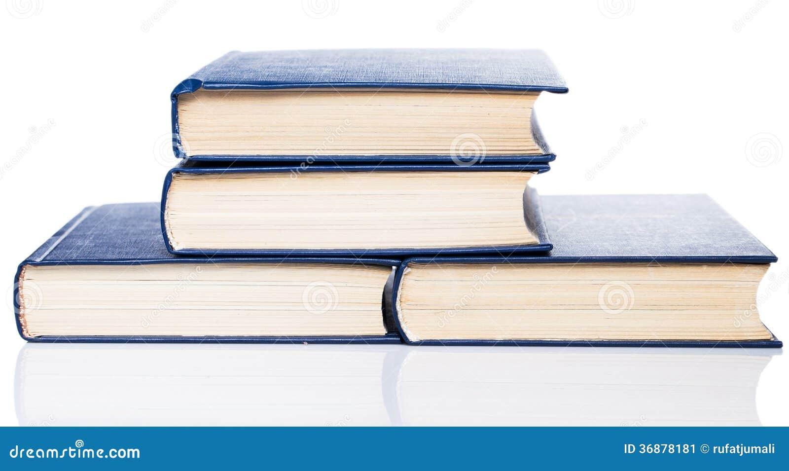 Download Libri. Pila Di Vecchi Libri Su Fondo Bianco Immagine Stock - Immagine di imparare, classico: 36878181