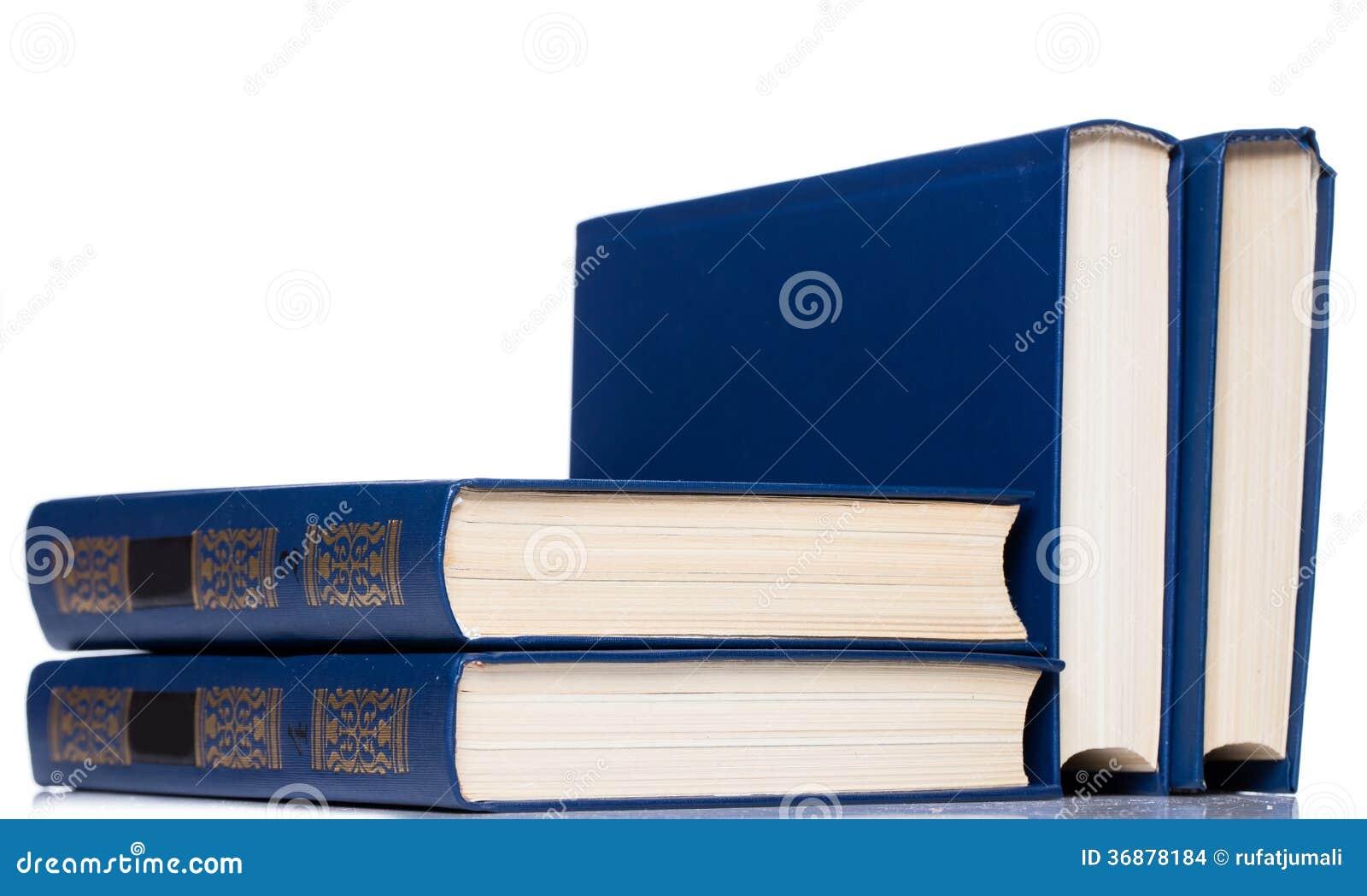 Download Libri. Pila Di Vecchi Libri Su Fondo Bianco Fotografia Stock - Immagine di nessuno, letterario: 36878184