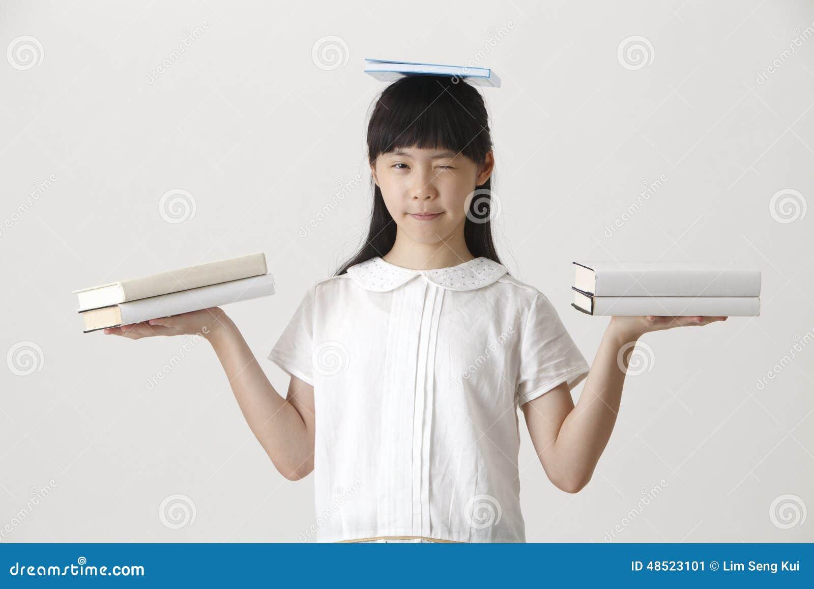 Libri sulla sua testa