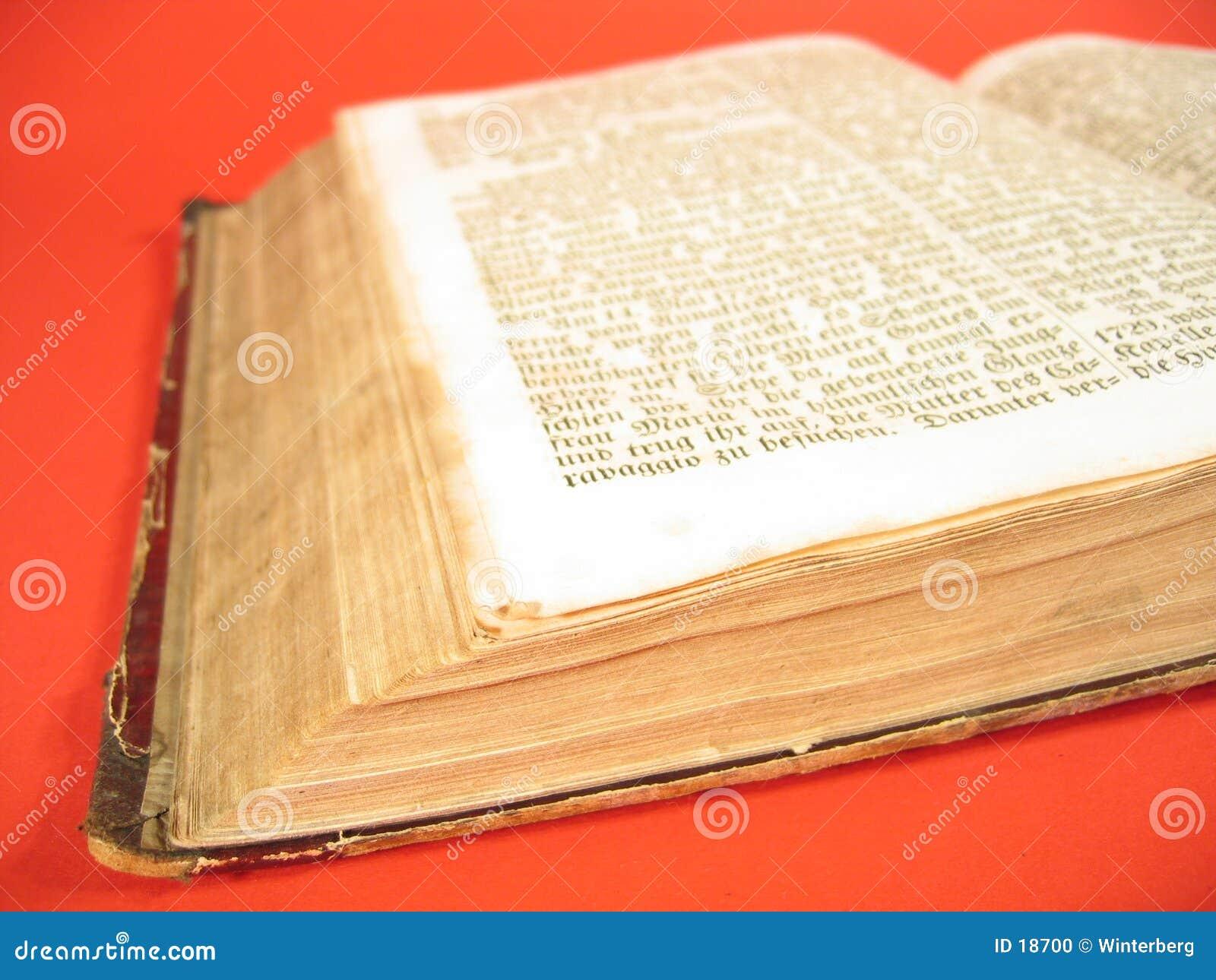 Libro antico III
