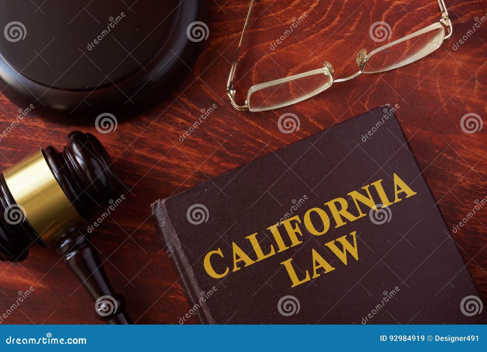 Libro con legge di California di titolo